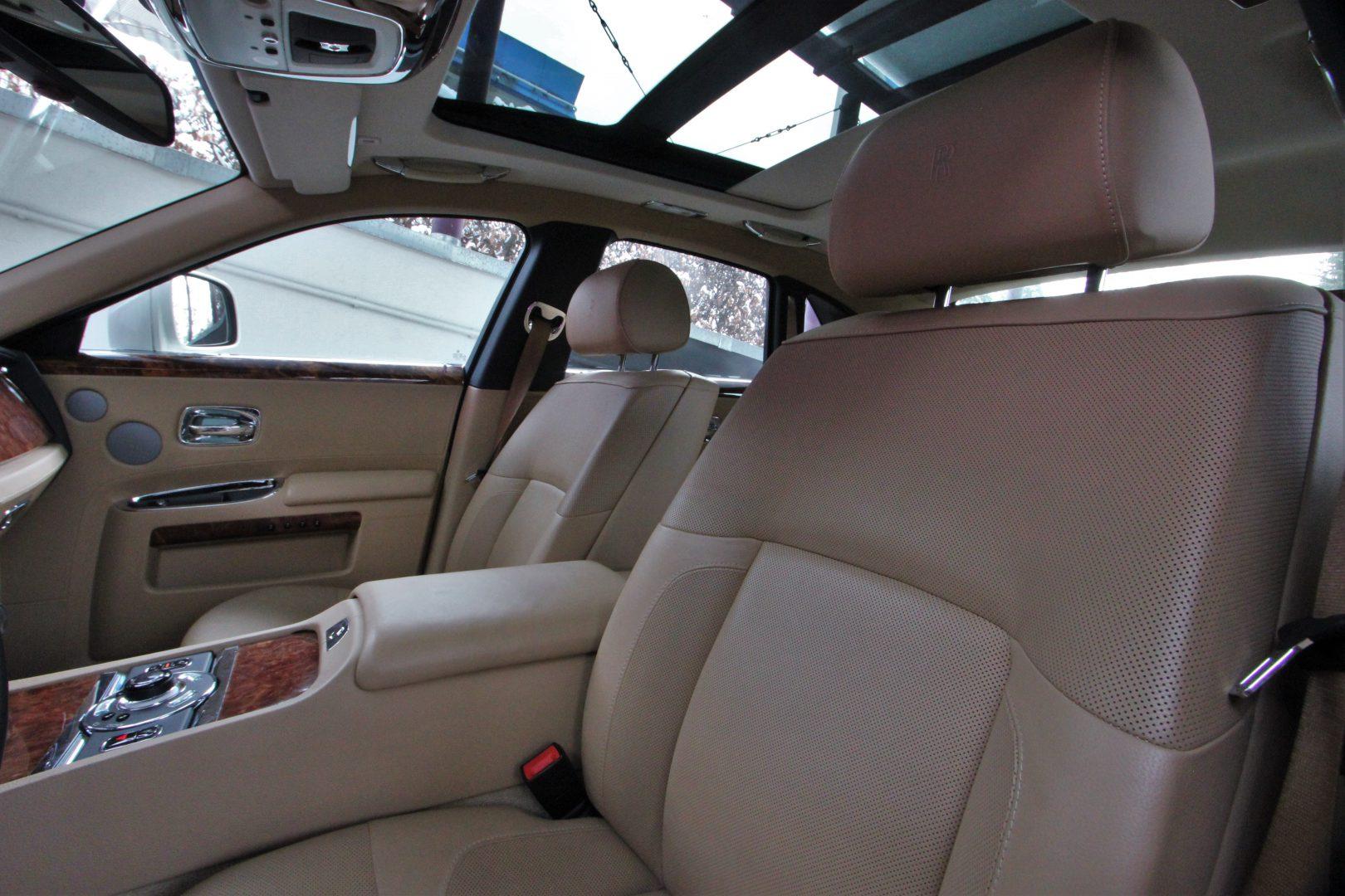 AIL Rolls Royce Ghost 6.6 V12  5