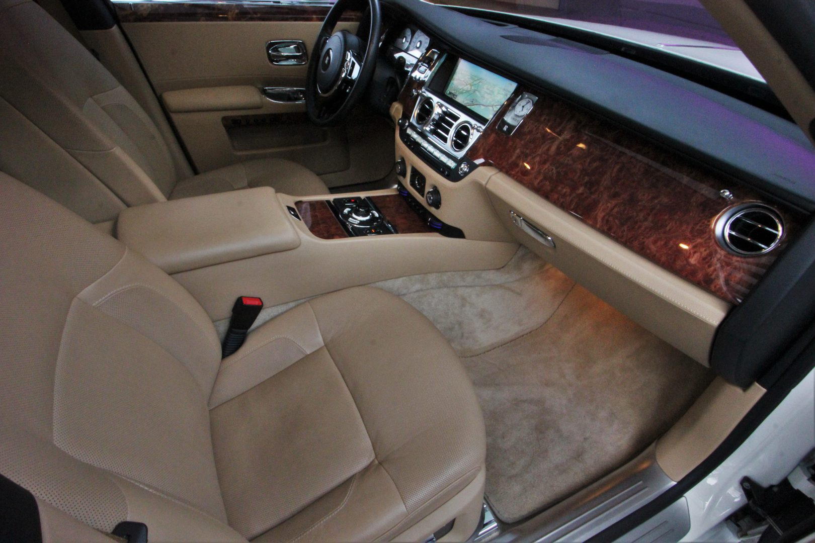 AIL Rolls Royce Ghost 6.6 V12  1
