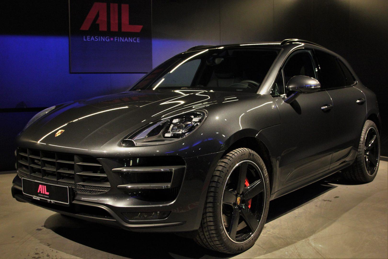AIL Porsche Macan Turbo Performance Paket LED Sportabgas  11
