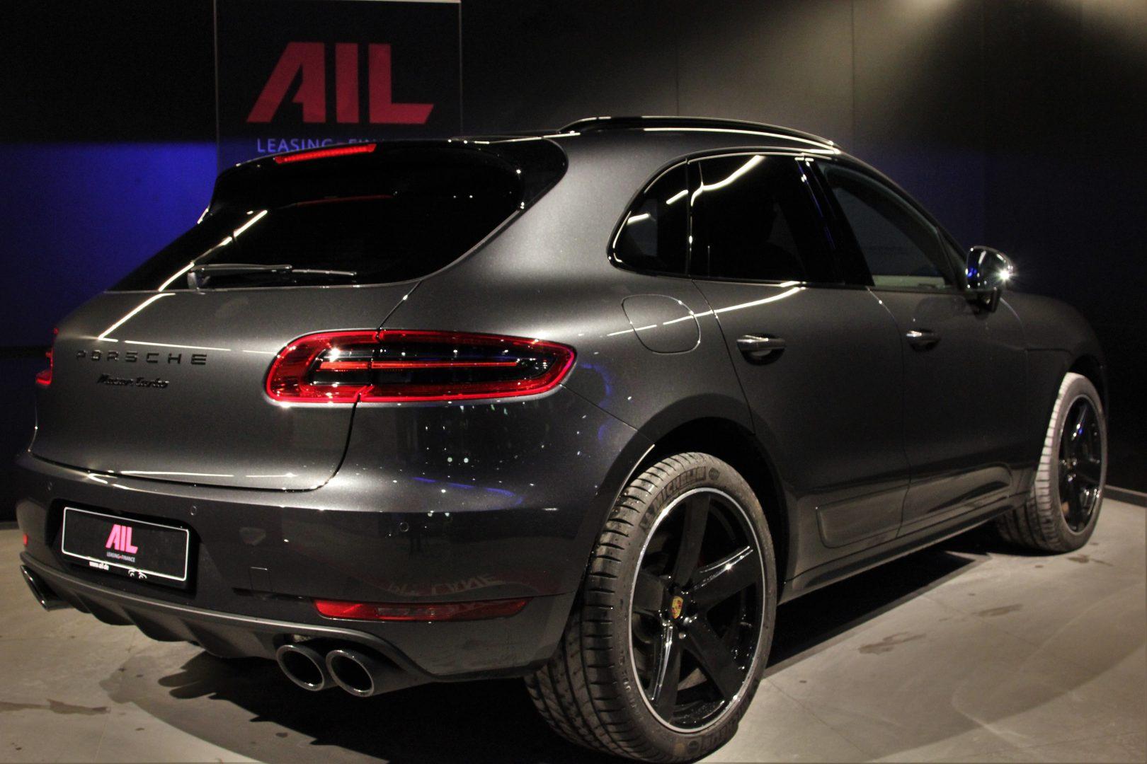AIL Porsche Macan Turbo Performance Paket LED Sportabgas  3