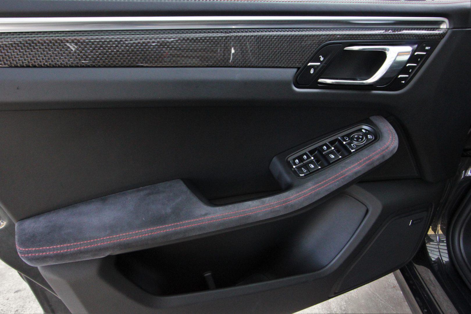 AIL Porsche Macan Turbo Performance Paket LED Sportabgas  9