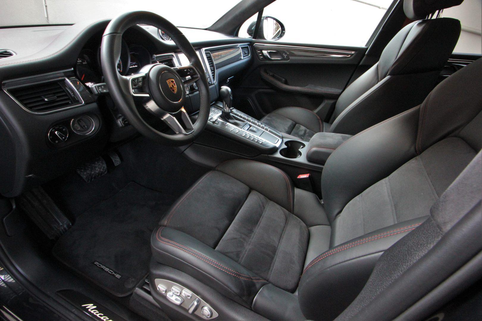 AIL Porsche Macan Turbo Performance Paket LED Sportabgas  13