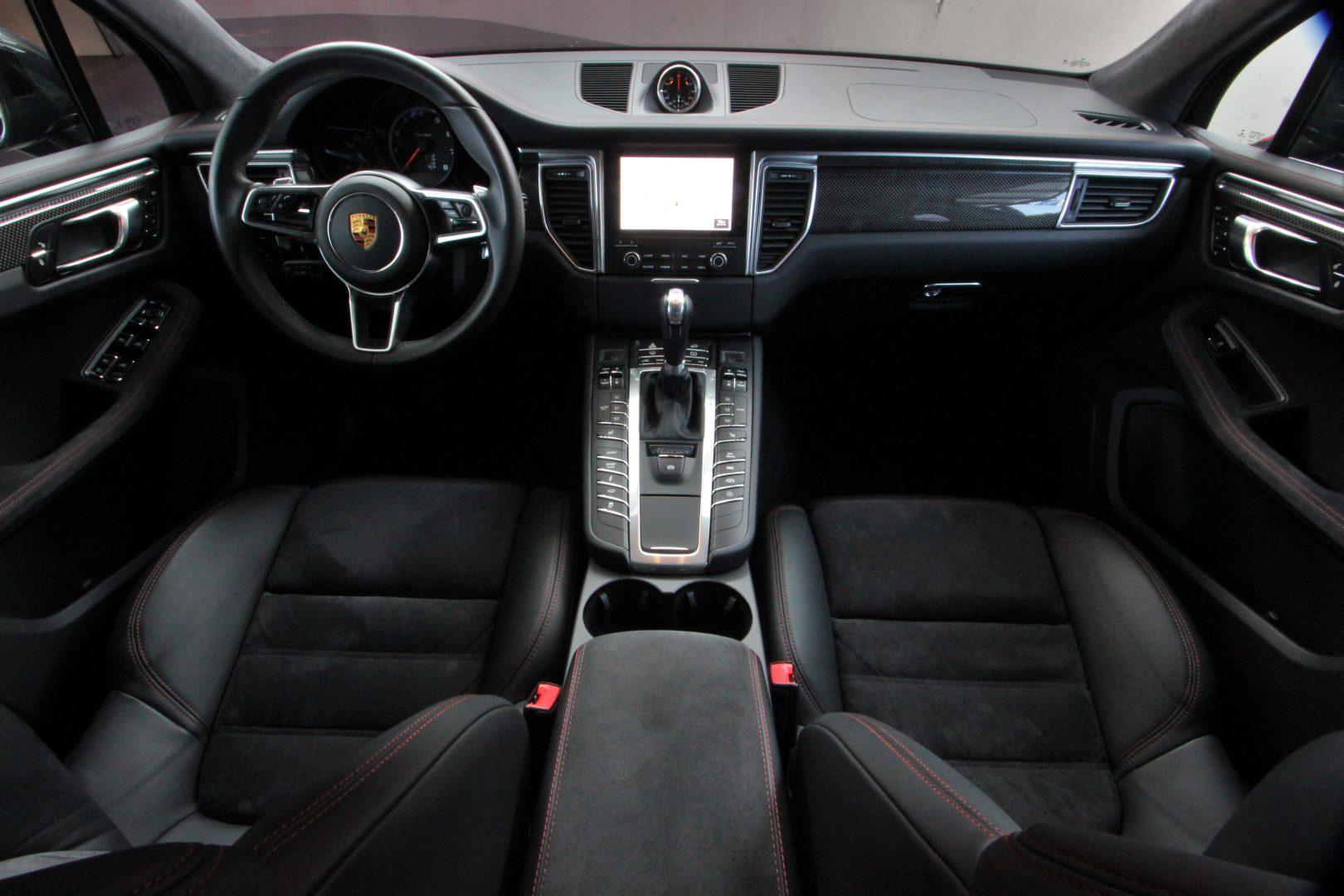 AIL Porsche Macan Turbo Performance Paket LED Sportabgas  6
