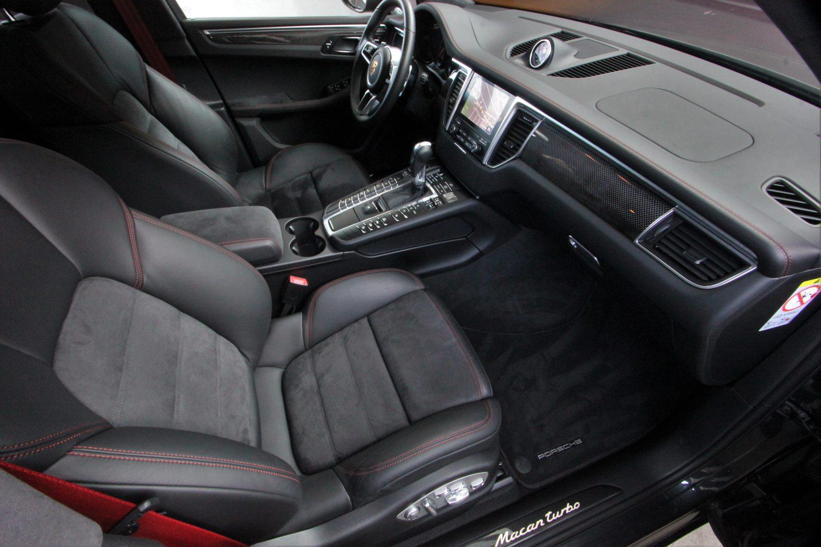 AIL Porsche Macan Turbo Performance Paket LED Sportabgas  4