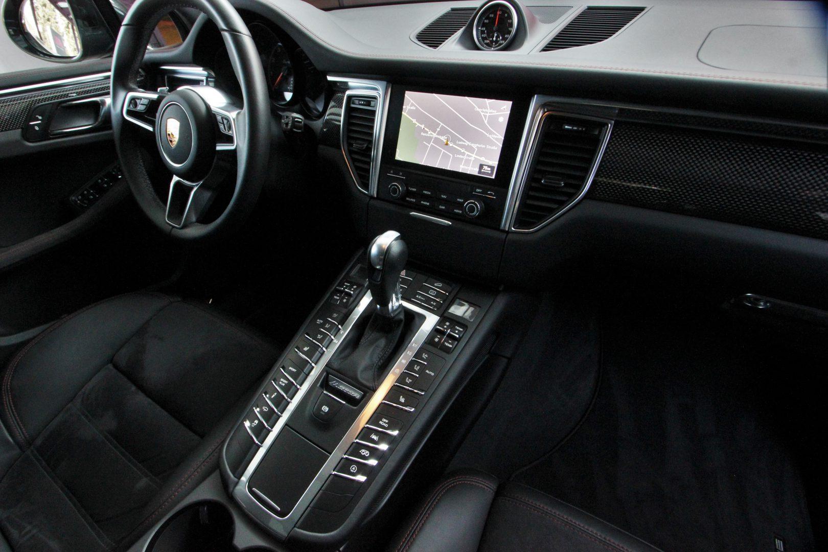 AIL Porsche Macan Turbo Performance Paket LED Sportabgas  2