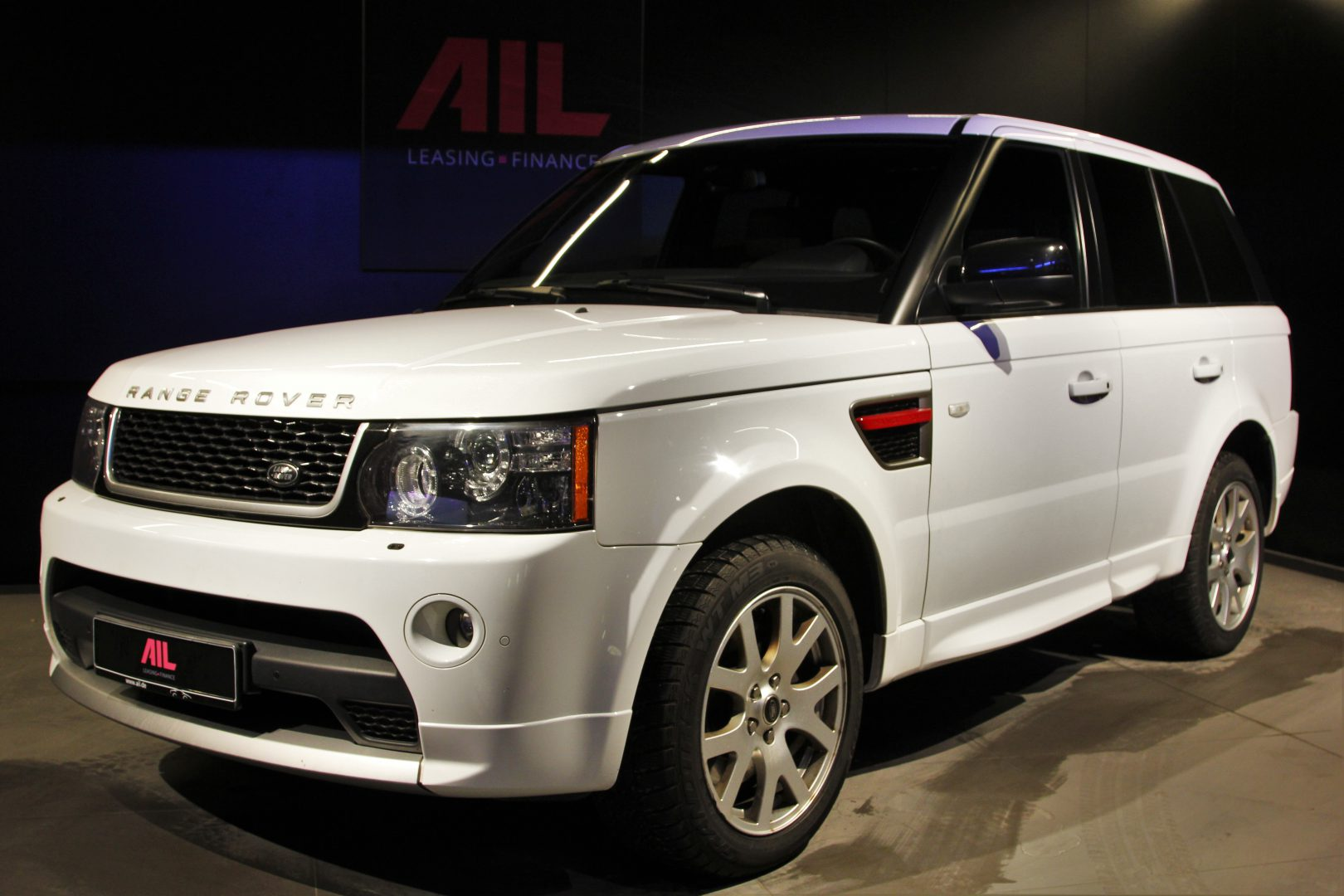 AIL Land Rover Range Rover Sport SDV6 Red Edition 10