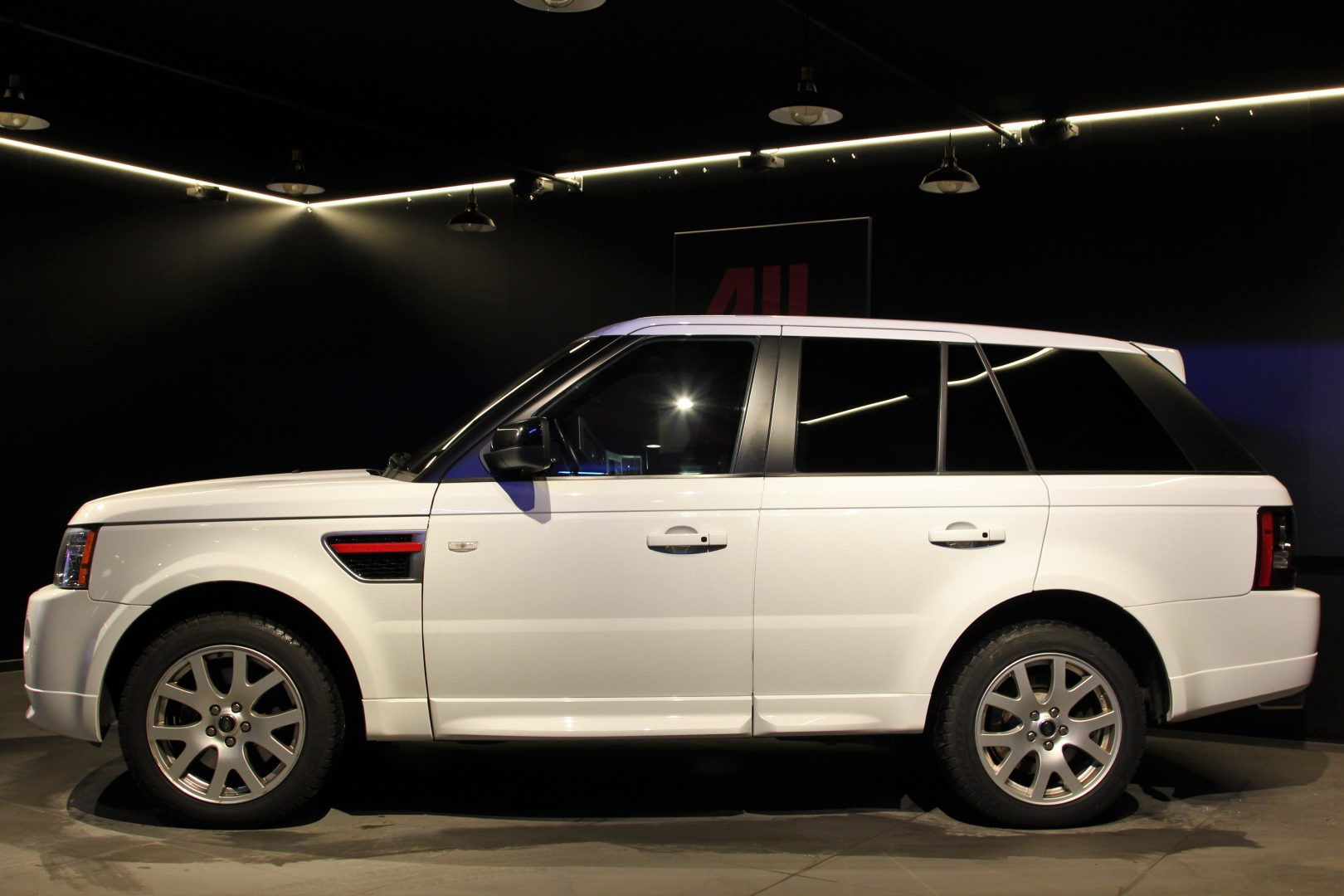 AIL Land Rover Range Rover Sport SDV6 Red Edition 3
