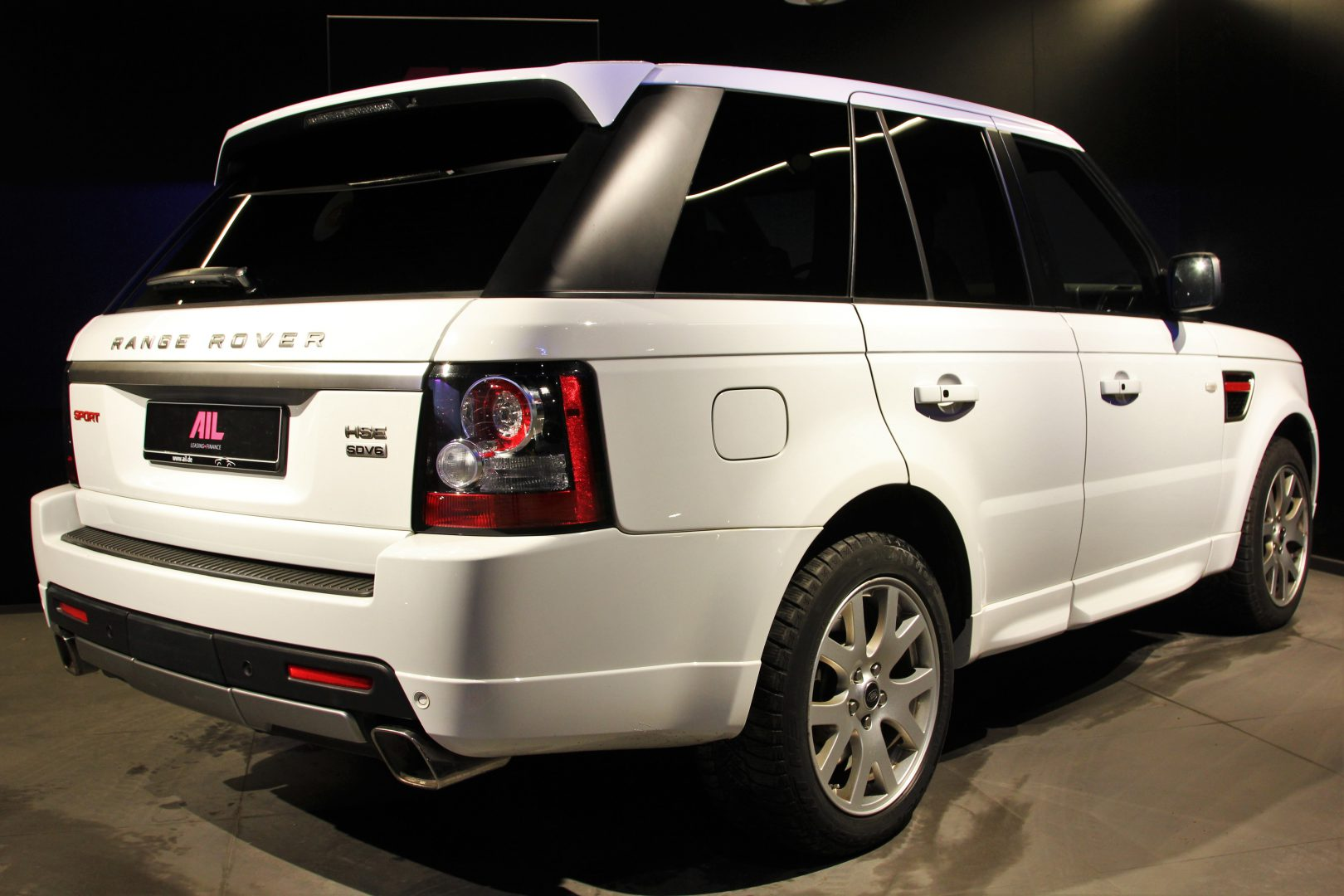 AIL Land Rover Range Rover Sport SDV6 Red Edition 1