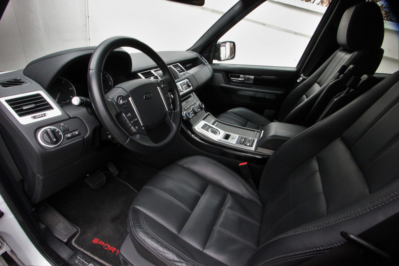 AIL Land Rover Range Rover Sport SDV6 Red Edition 2