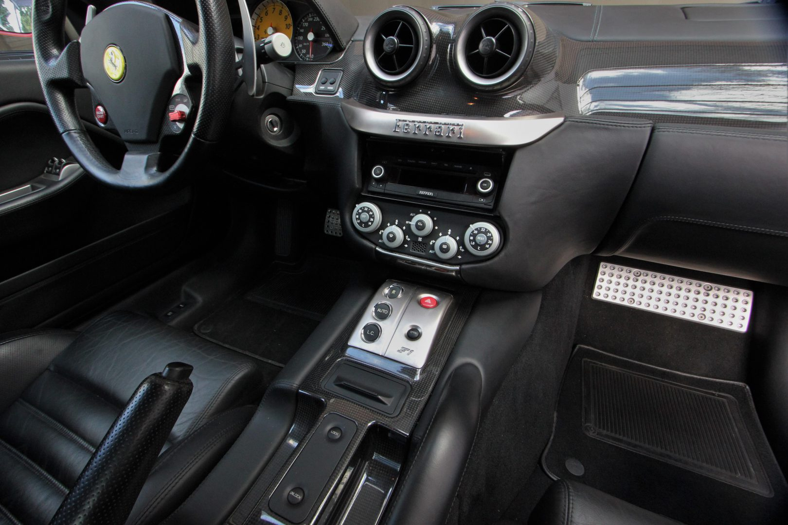 AIL Ferrari 599 GTB F1 Carbon Paket  8