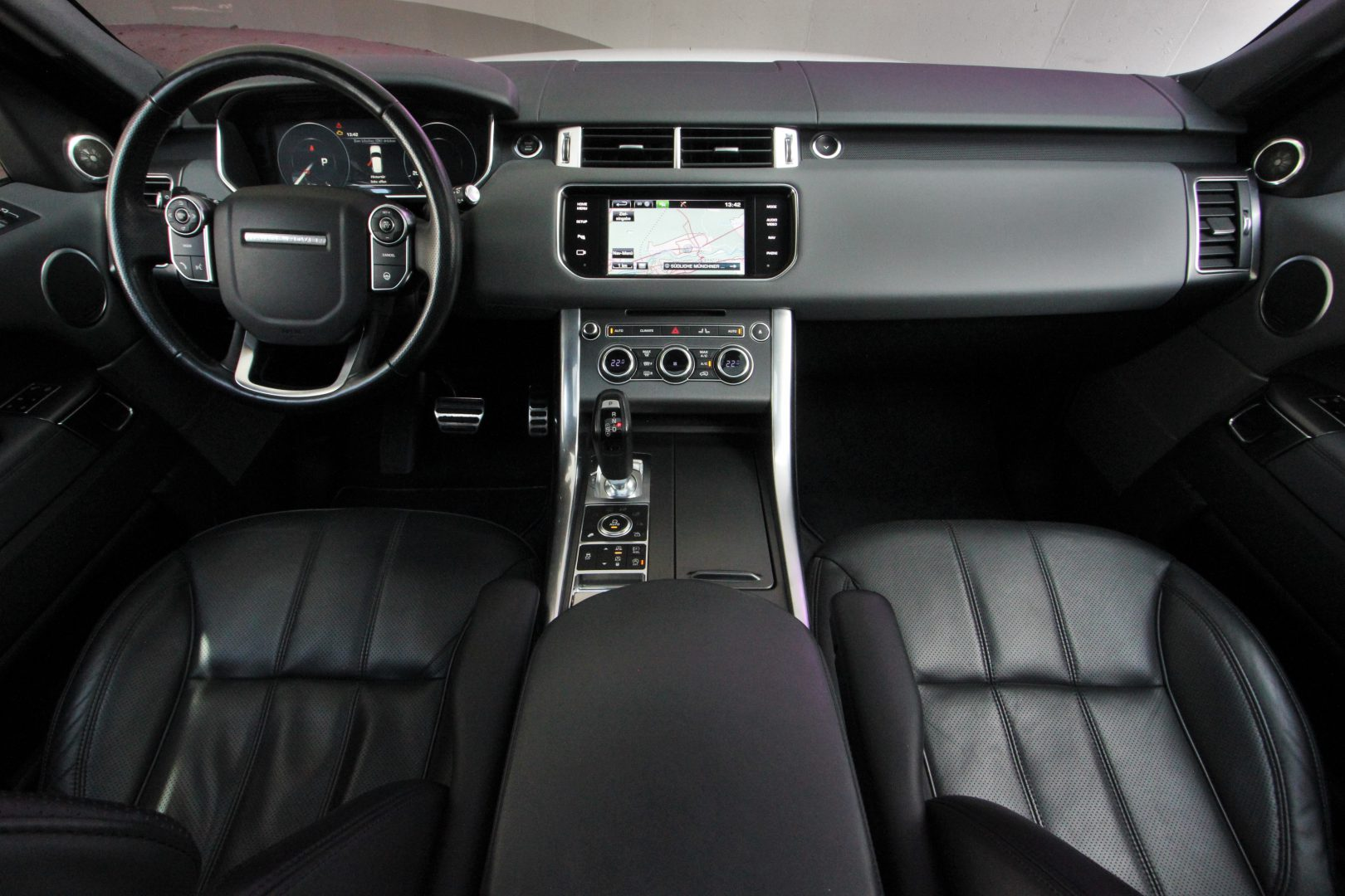 AIL Land Rover Range Rover Sport HSE Dynamic 10