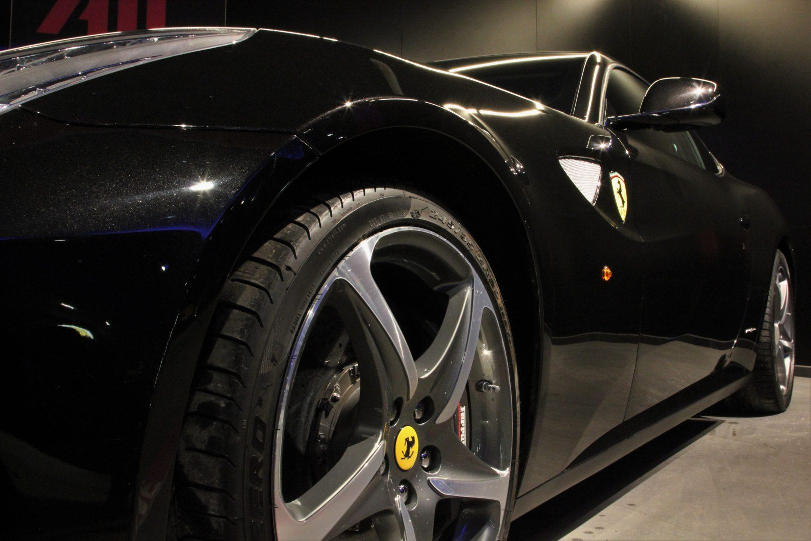 AIL Ferrari FF 16