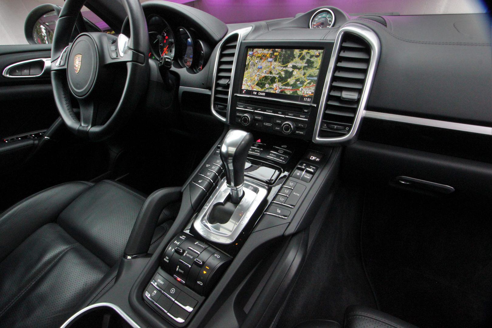 AIL Porsche Cayenne S Diesel  6