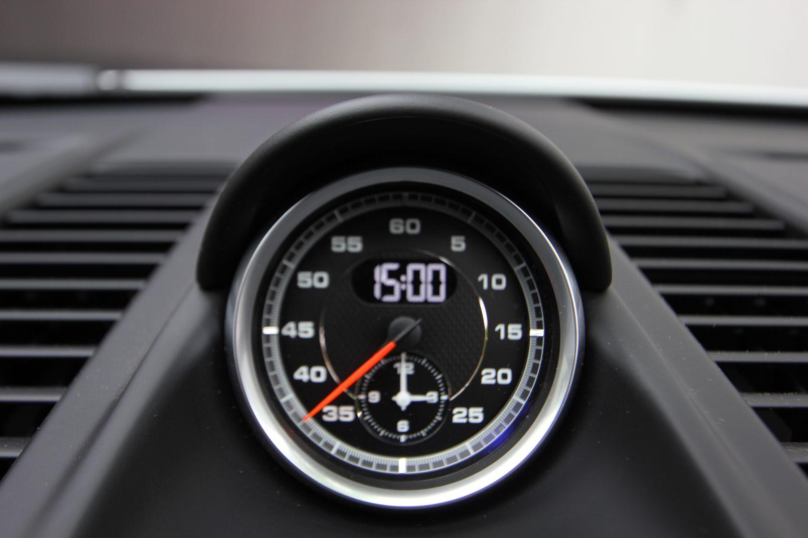AIL Porsche 911 991 Carrera 4 GTS  3