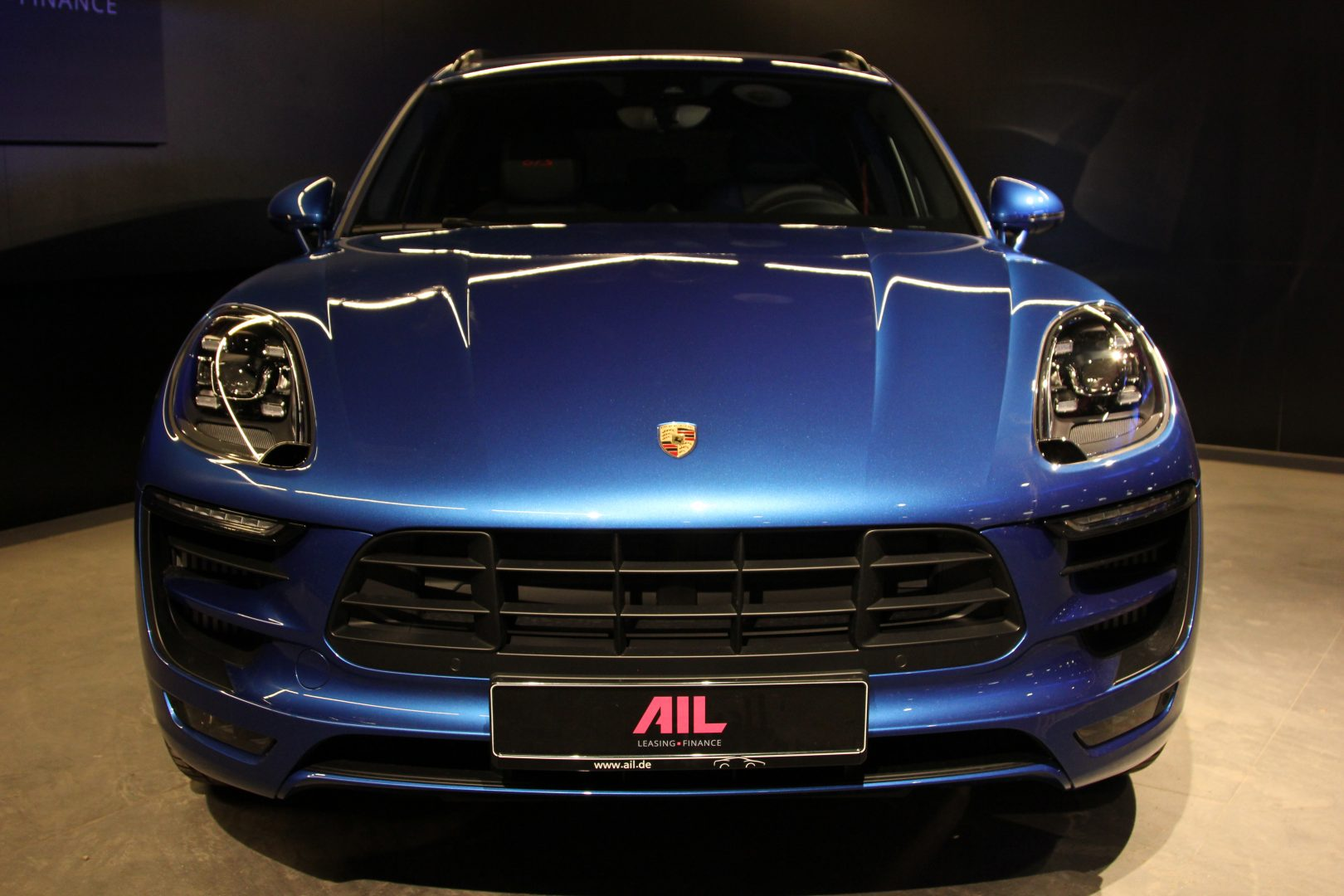 AIL Porsche Macan GTS Carbon Paket  9