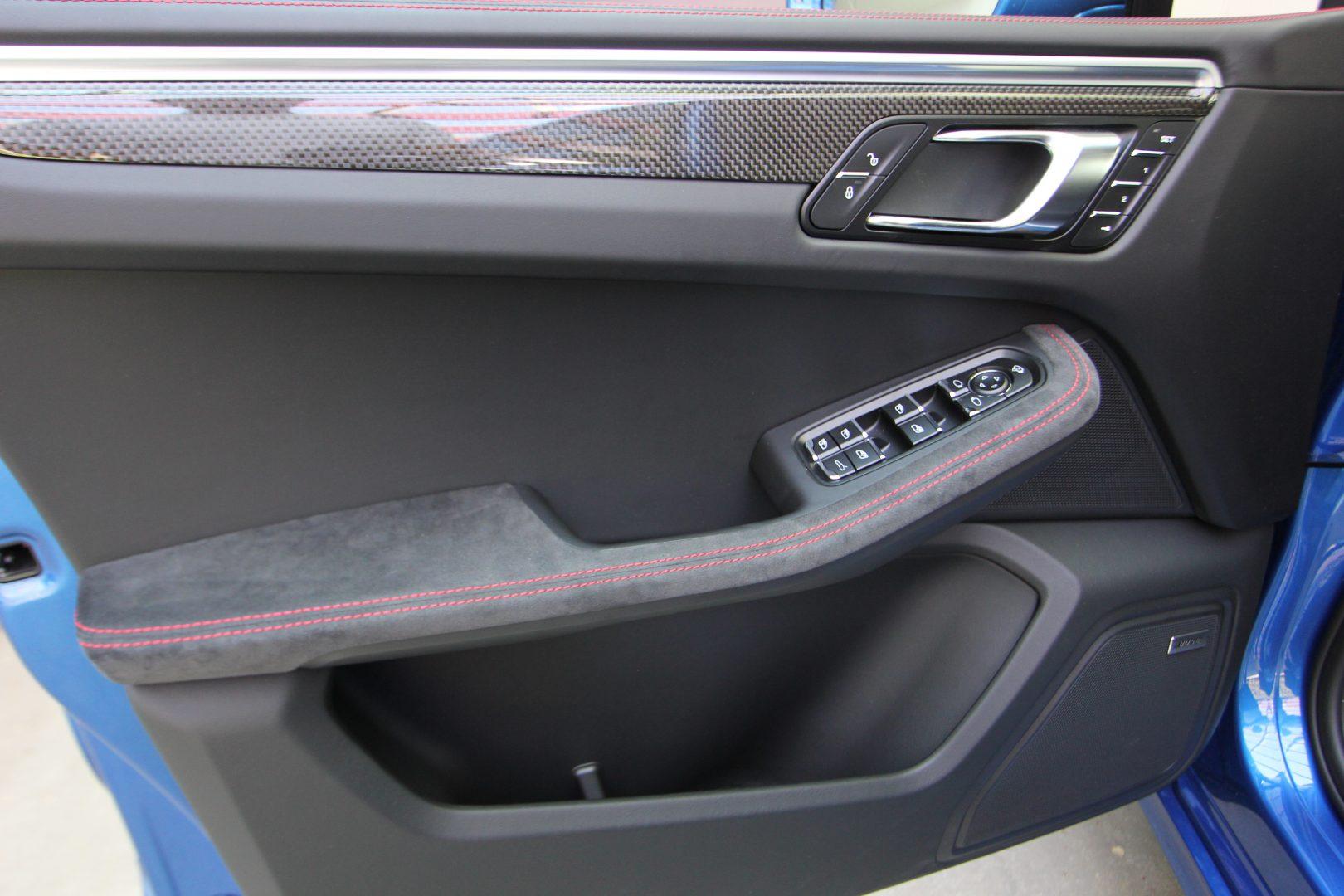 AIL Porsche Macan GTS Carbon Paket  13