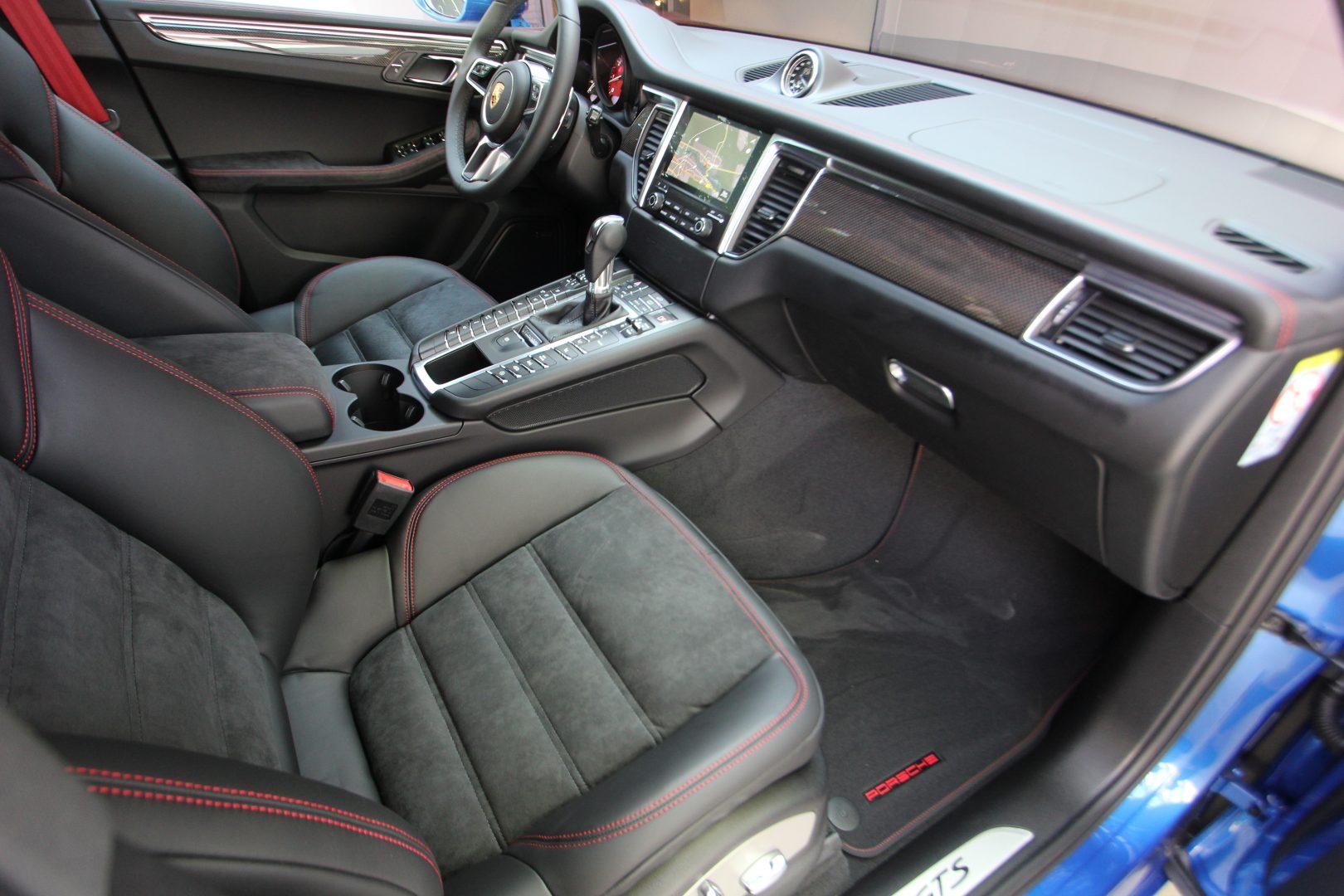 AIL Porsche Macan GTS Carbon Paket  10