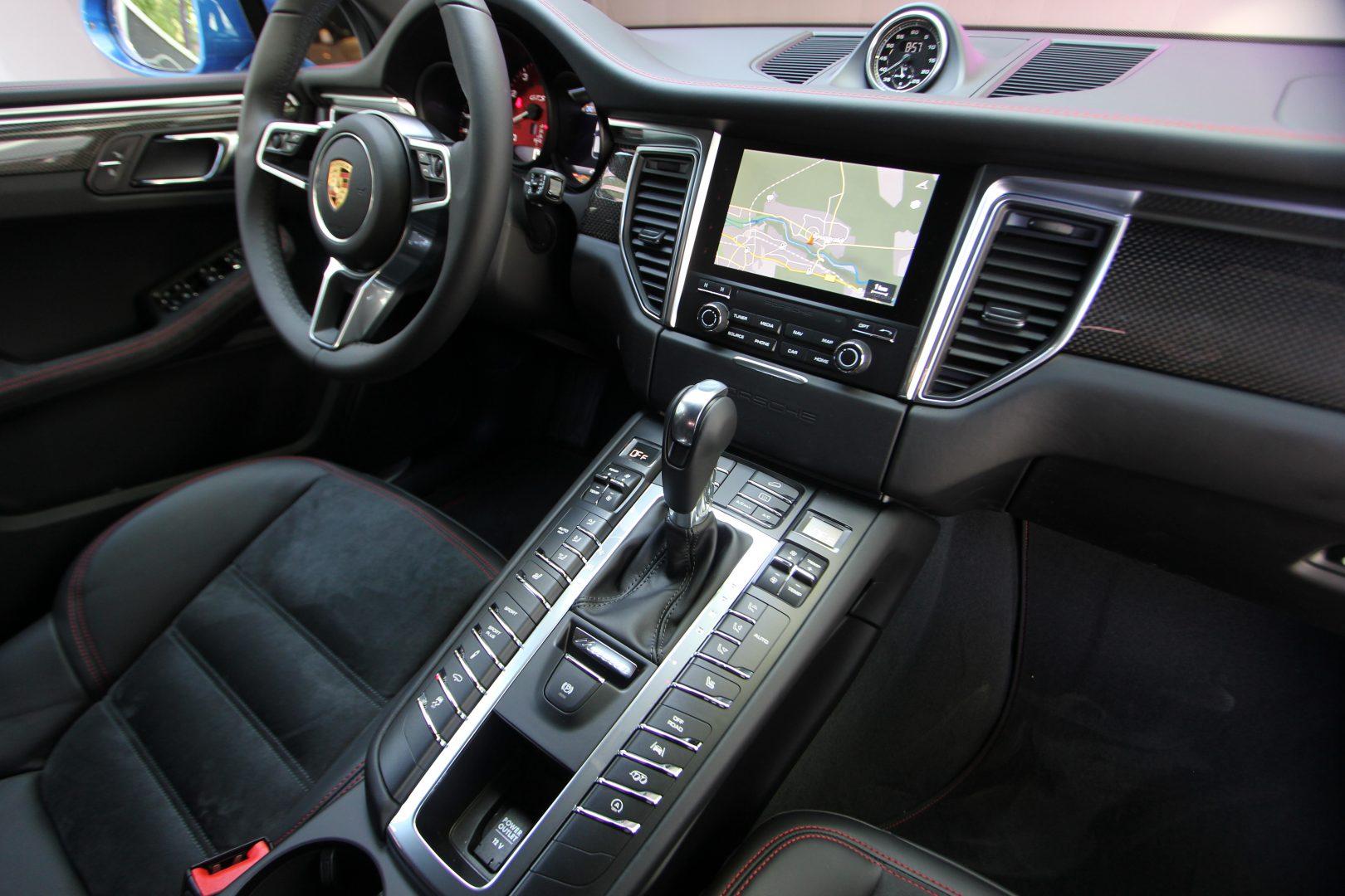 AIL Porsche Macan GTS Carbon Paket  4