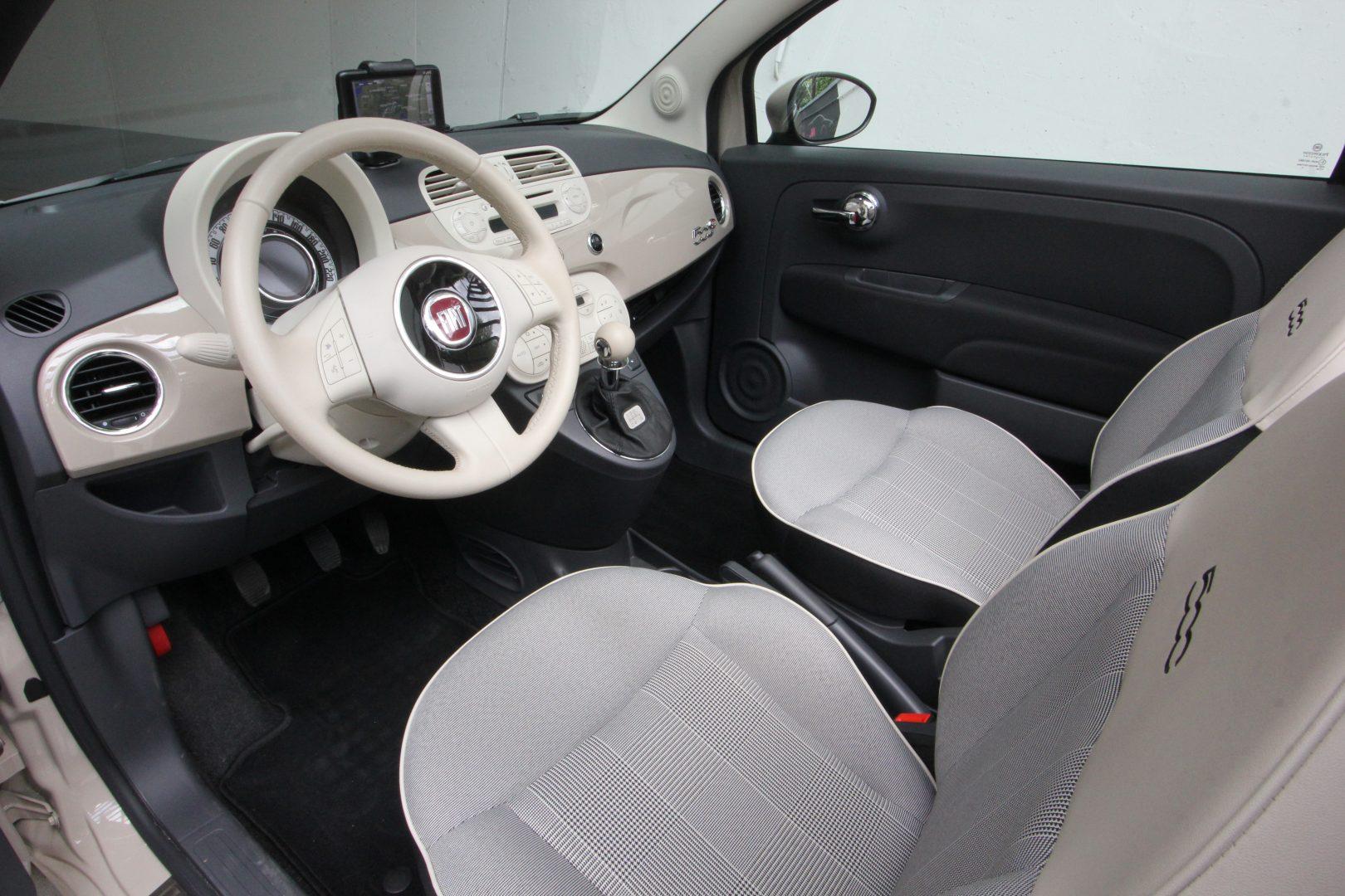AIL Fiat 500 Cabrio Lounge 10