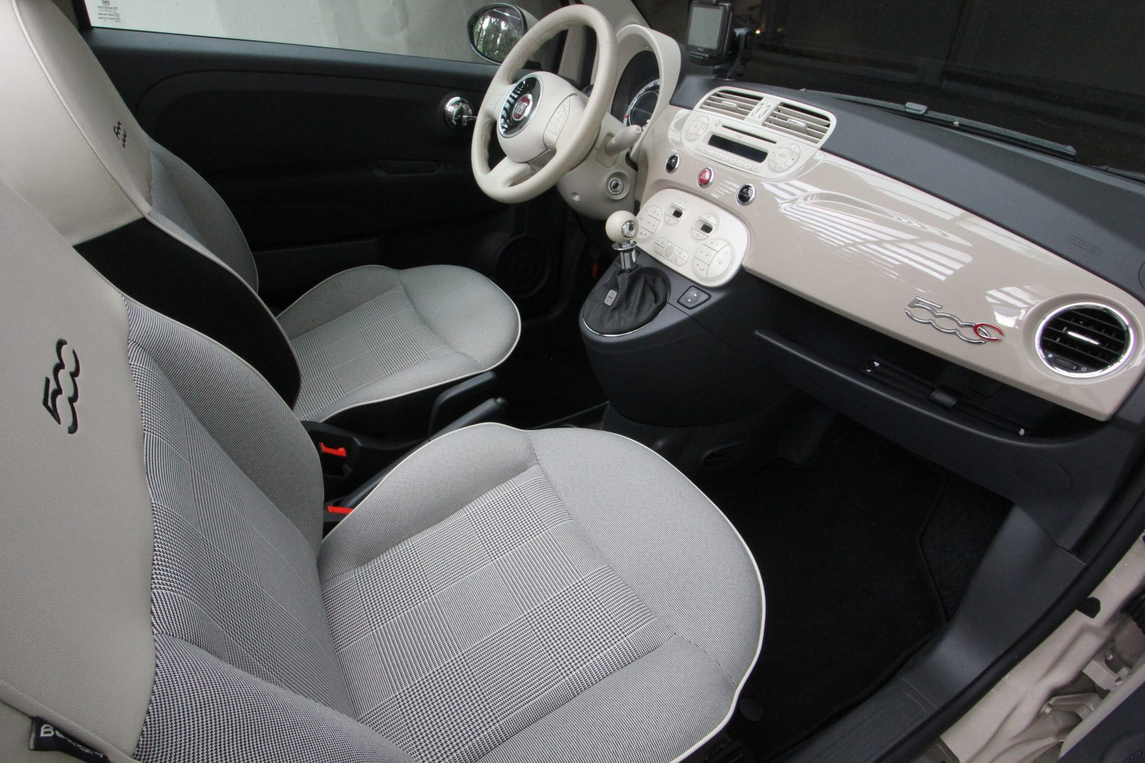 AIL Fiat 500 Cabrio Lounge 1