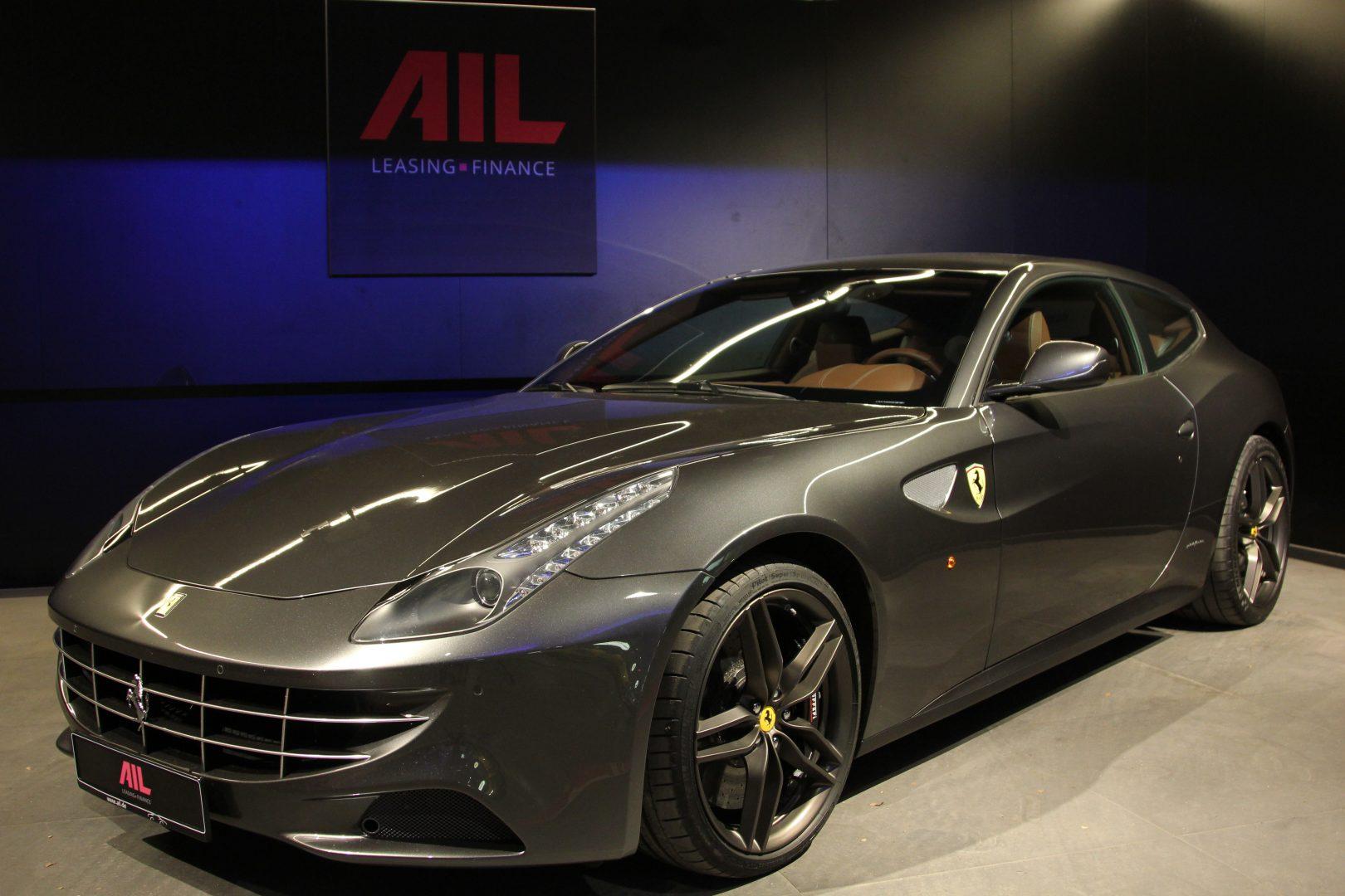 AIL Ferrari FF Grigio Silverstone 17