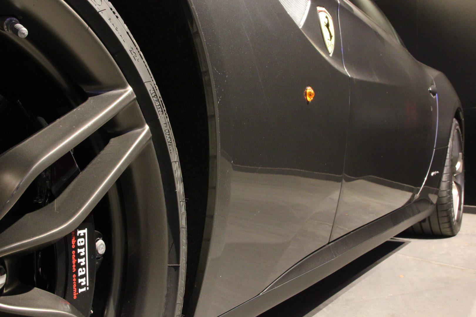 AIL Ferrari FF Grigio Silverstone 15