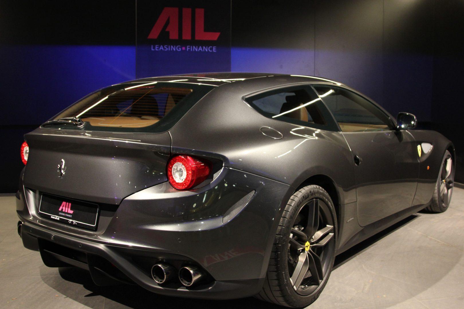 AIL Ferrari FF Grigio Silverstone 1