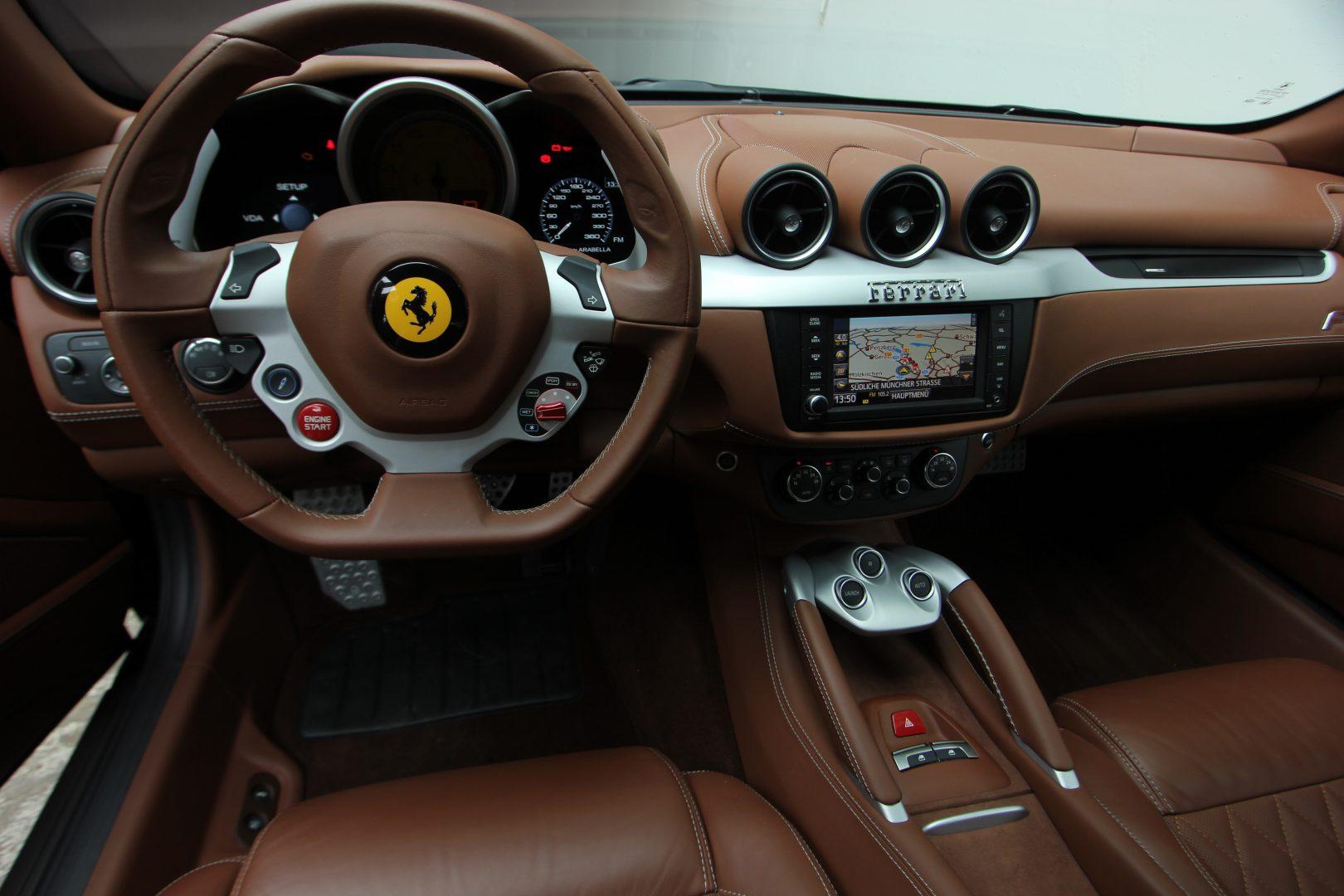 AIL Ferrari FF Grigio Silverstone 9