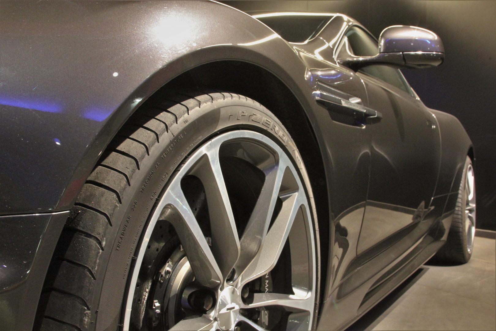 AIL Aston Martin DBS  14