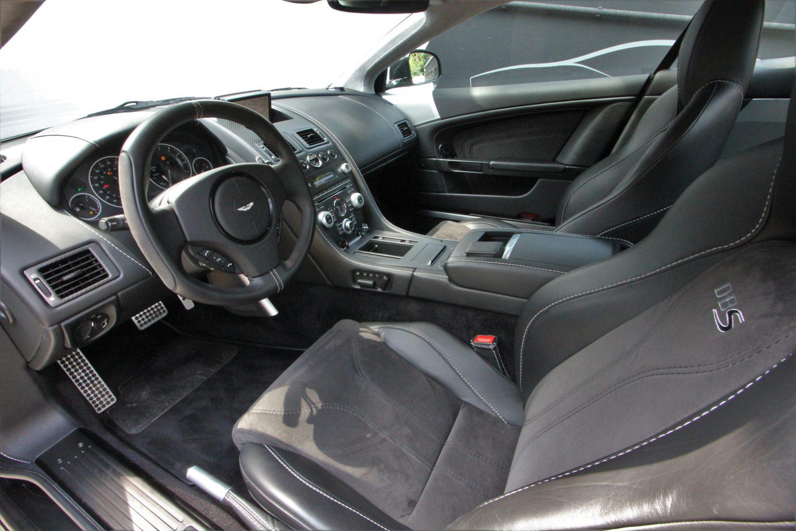 AIL Aston Martin DBS  2