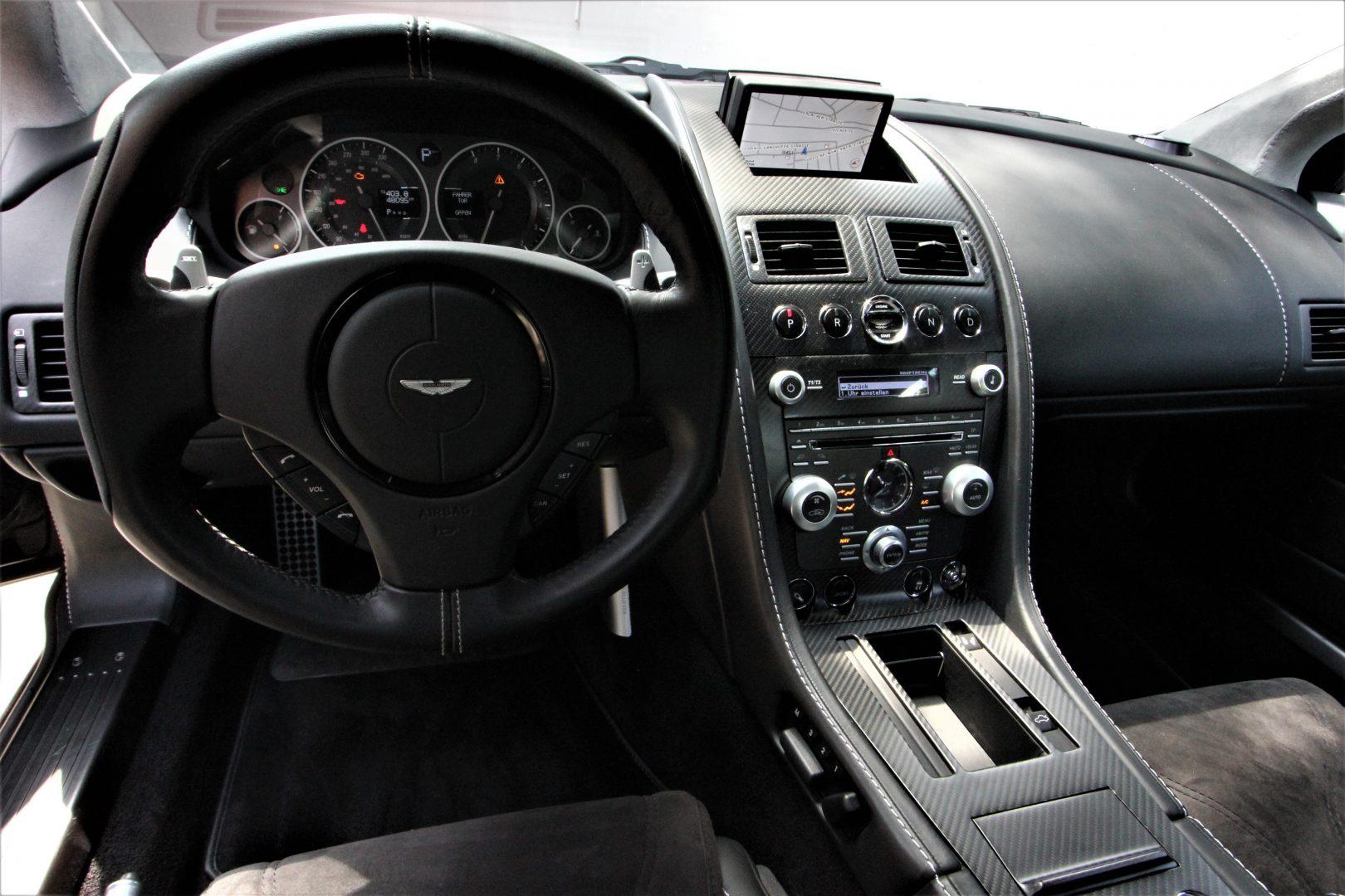 AIL Aston Martin DBS  5
