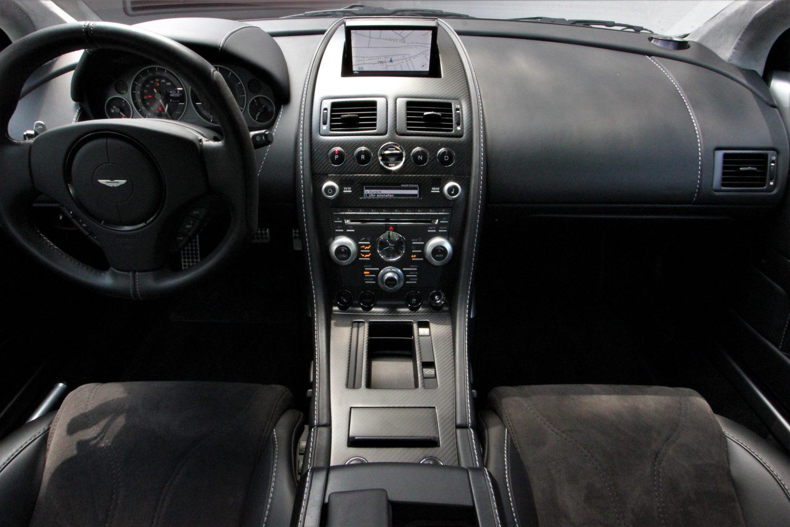 AIL Aston Martin DBS  8