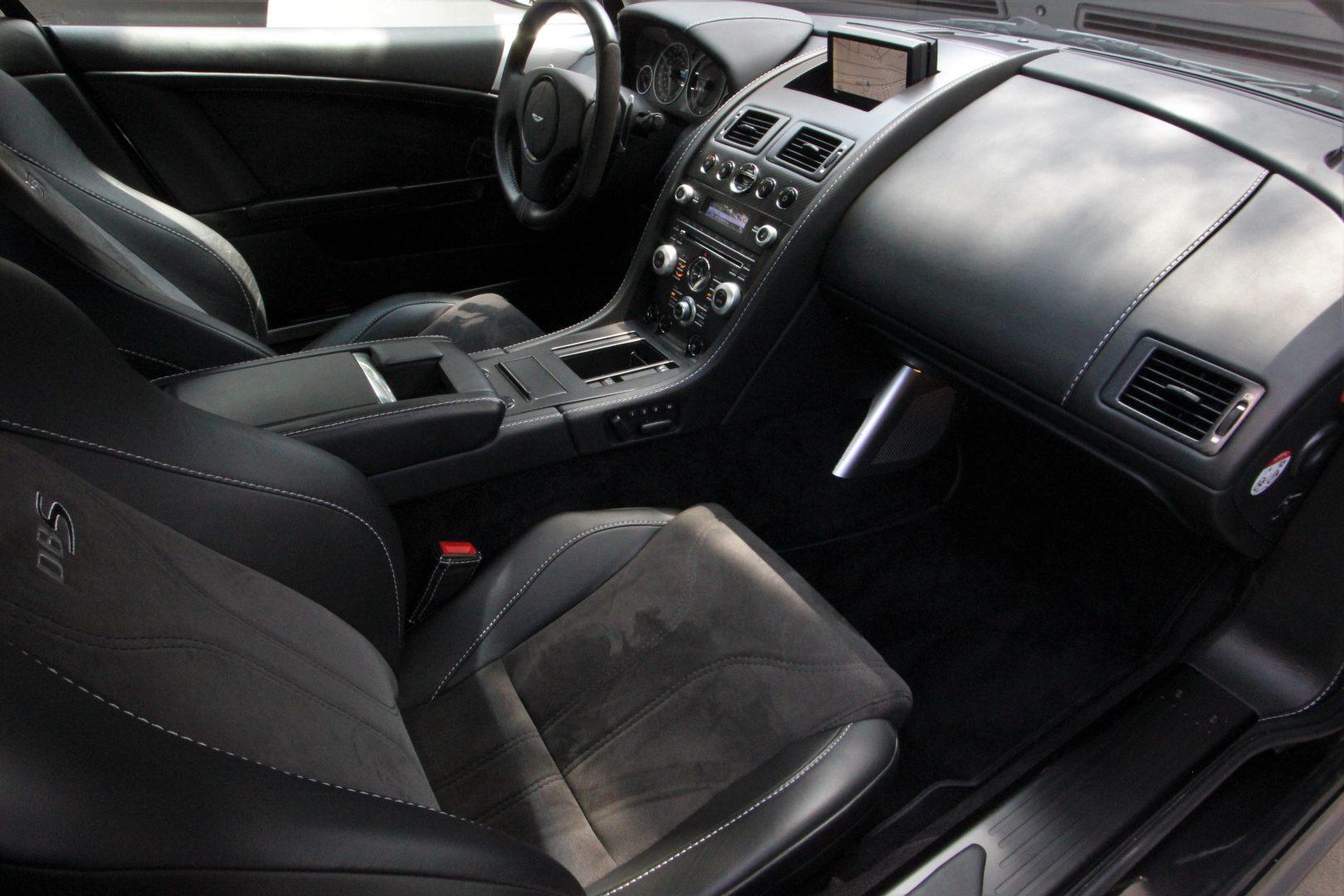 AIL Aston Martin DBS  11