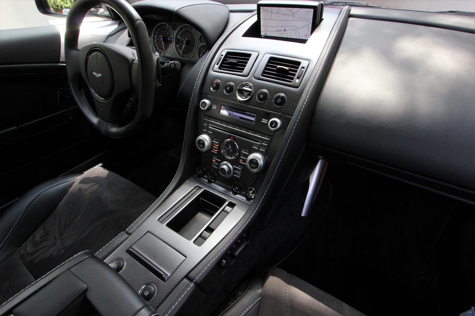 AIL Aston Martin DBS  9