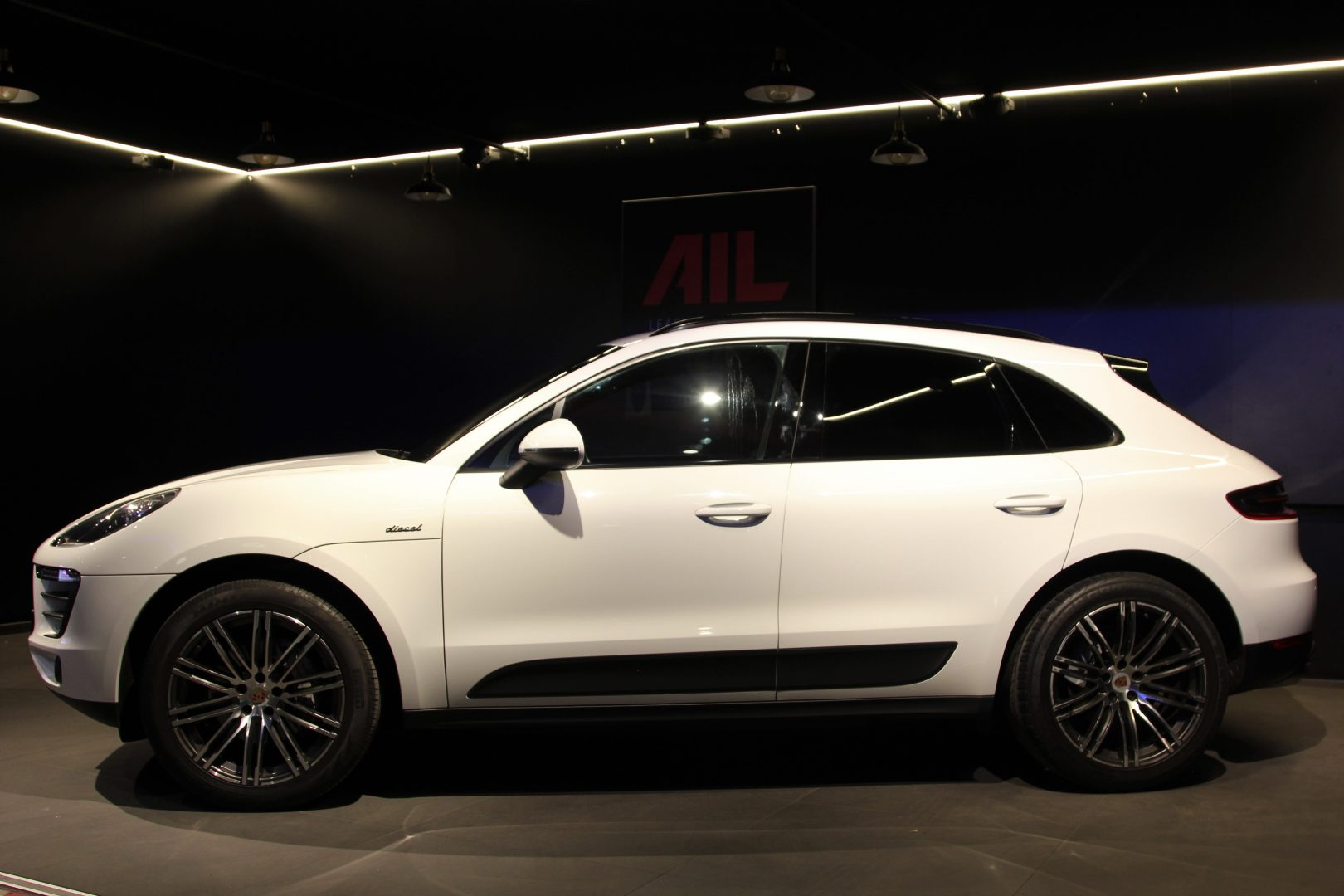 AIL Porsche Macan S Sound-Package Plus Panorama 4