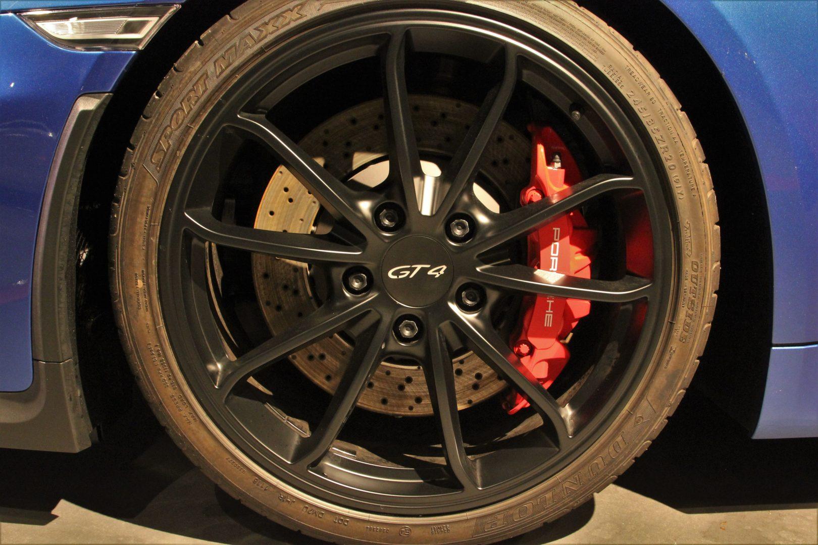 AIL Porsche Cayman GT4 Sound-Package Plus 6