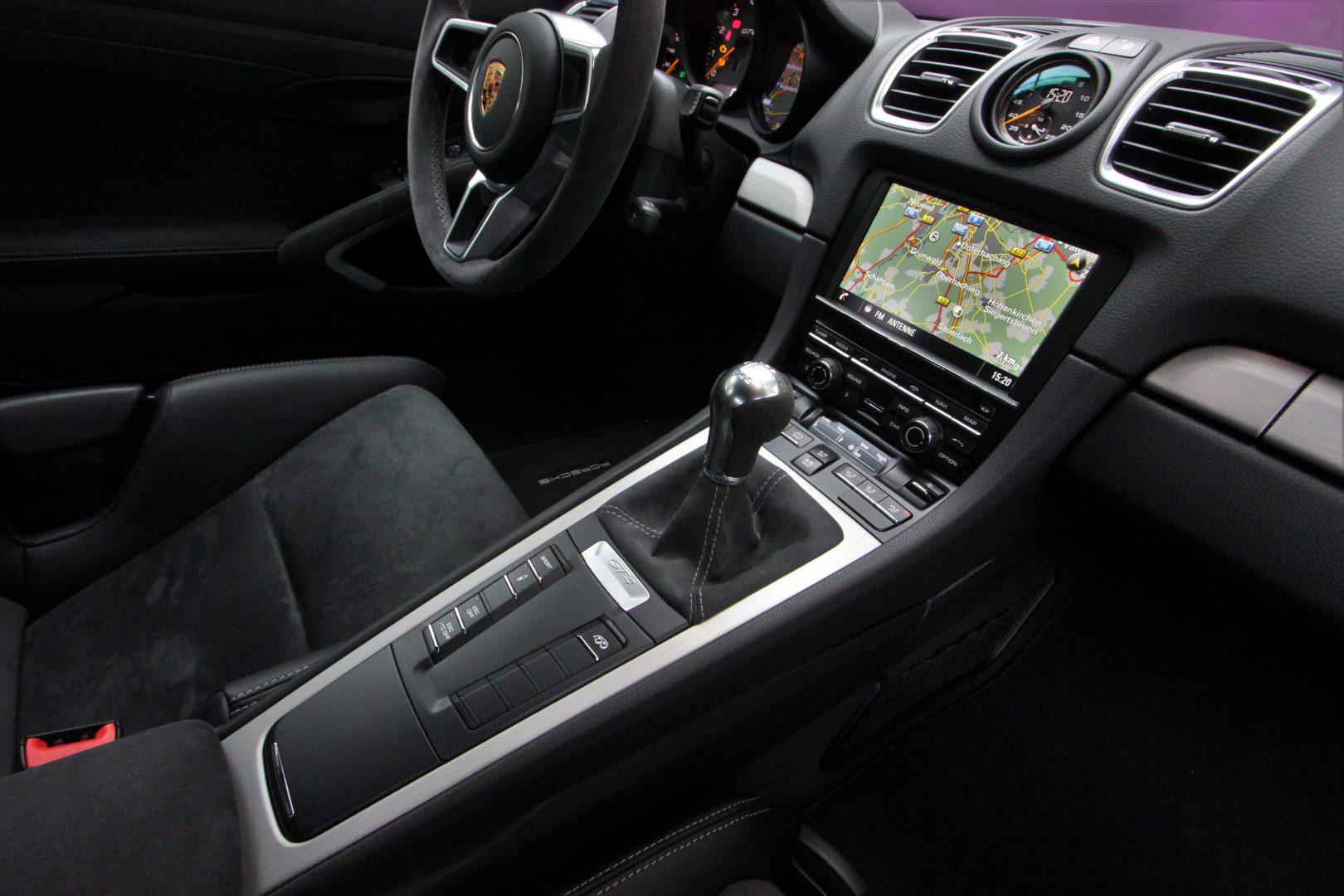 AIL Porsche Cayman GT4 Sound-Package Plus 7