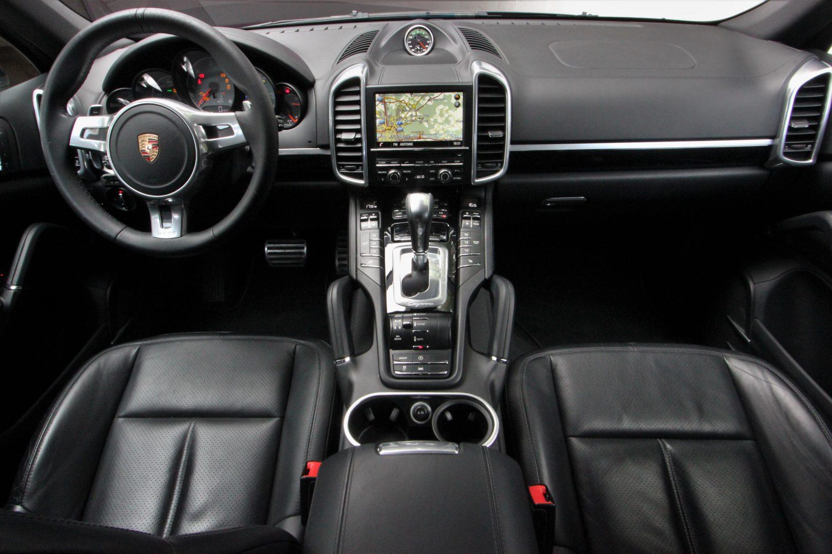 AIL Porsche Cayenne S Diesel V8 Sport-Chrono-Paket 9