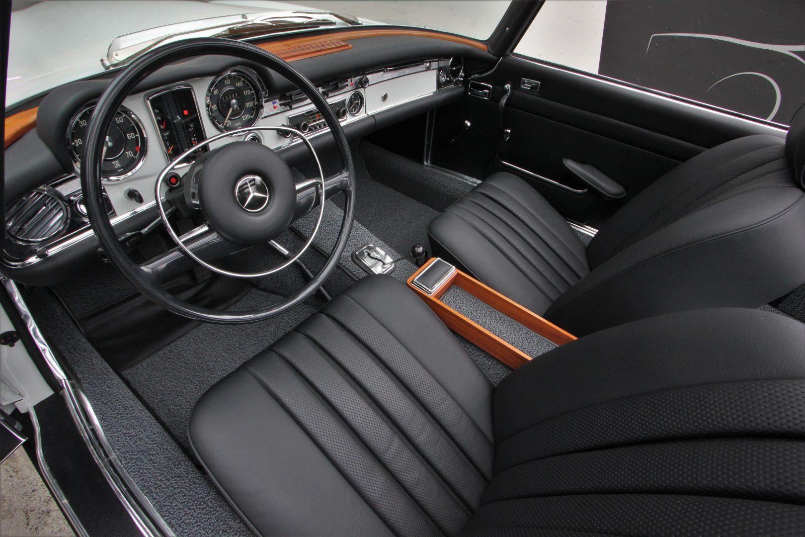 AIL Mercedes-Benz 280 SL Pagode Automatik 9