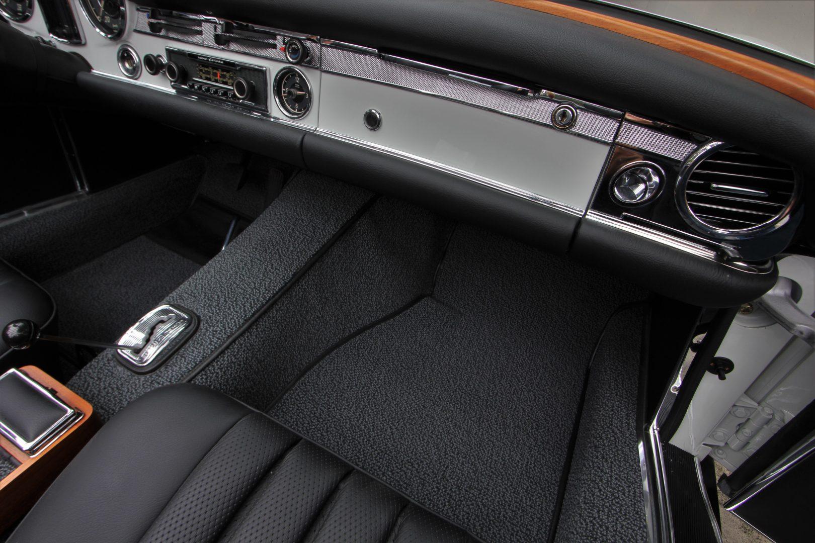AIL Mercedes-Benz 280 SL Pagode Automatik 5