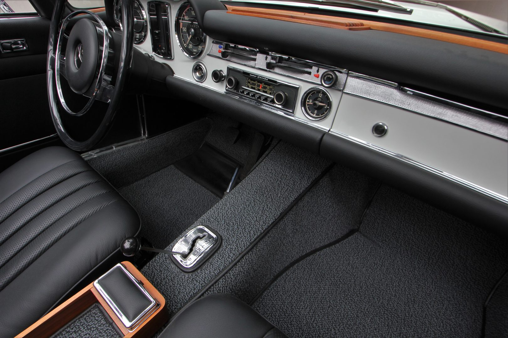 AIL Mercedes-Benz 280 SL Pagode Automatik 3
