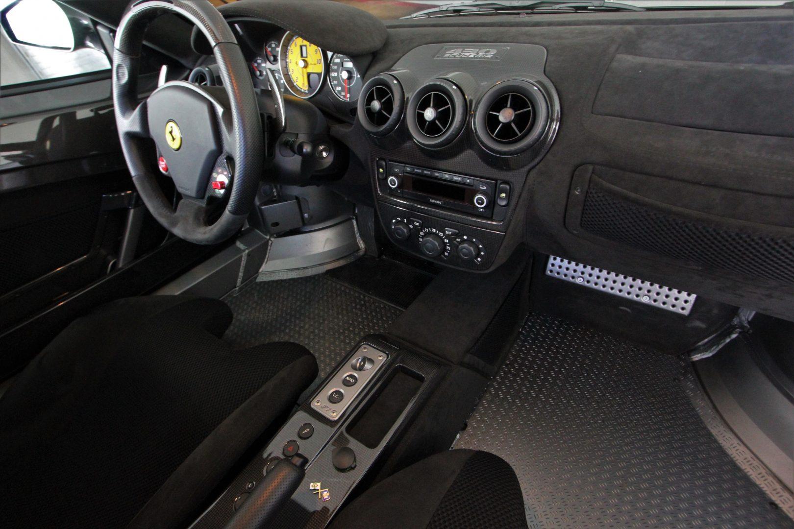 AIL Ferrari F430 Scuderia F1 Garantie 2