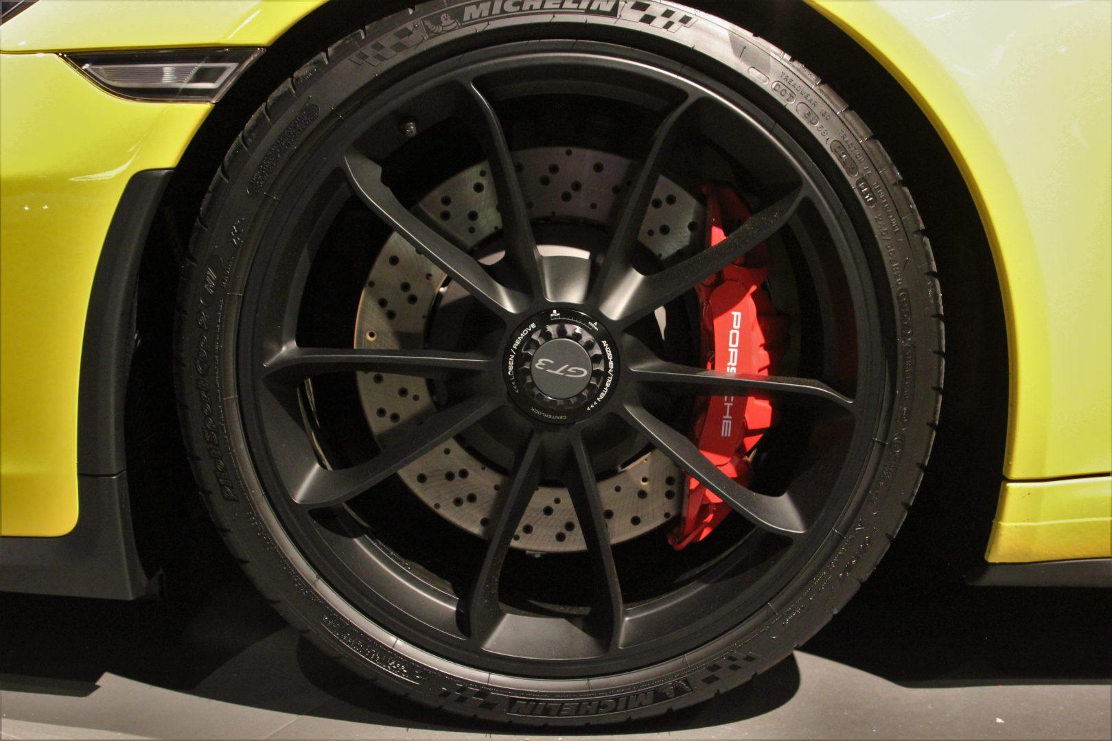 AIL Porsche 911 991 GT3 Clubsport-Paket LED Lift  16