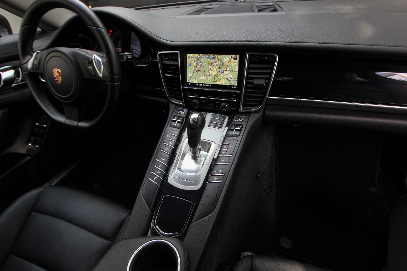 AIL Porsche Panamera V6 Bose  10