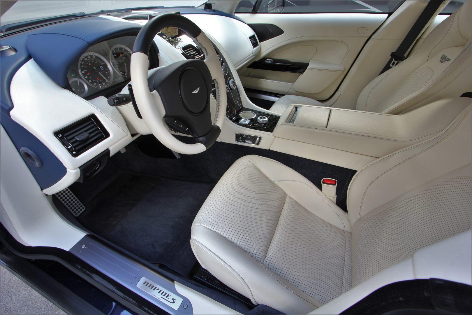 AIL Aston Martin Rapide S  12