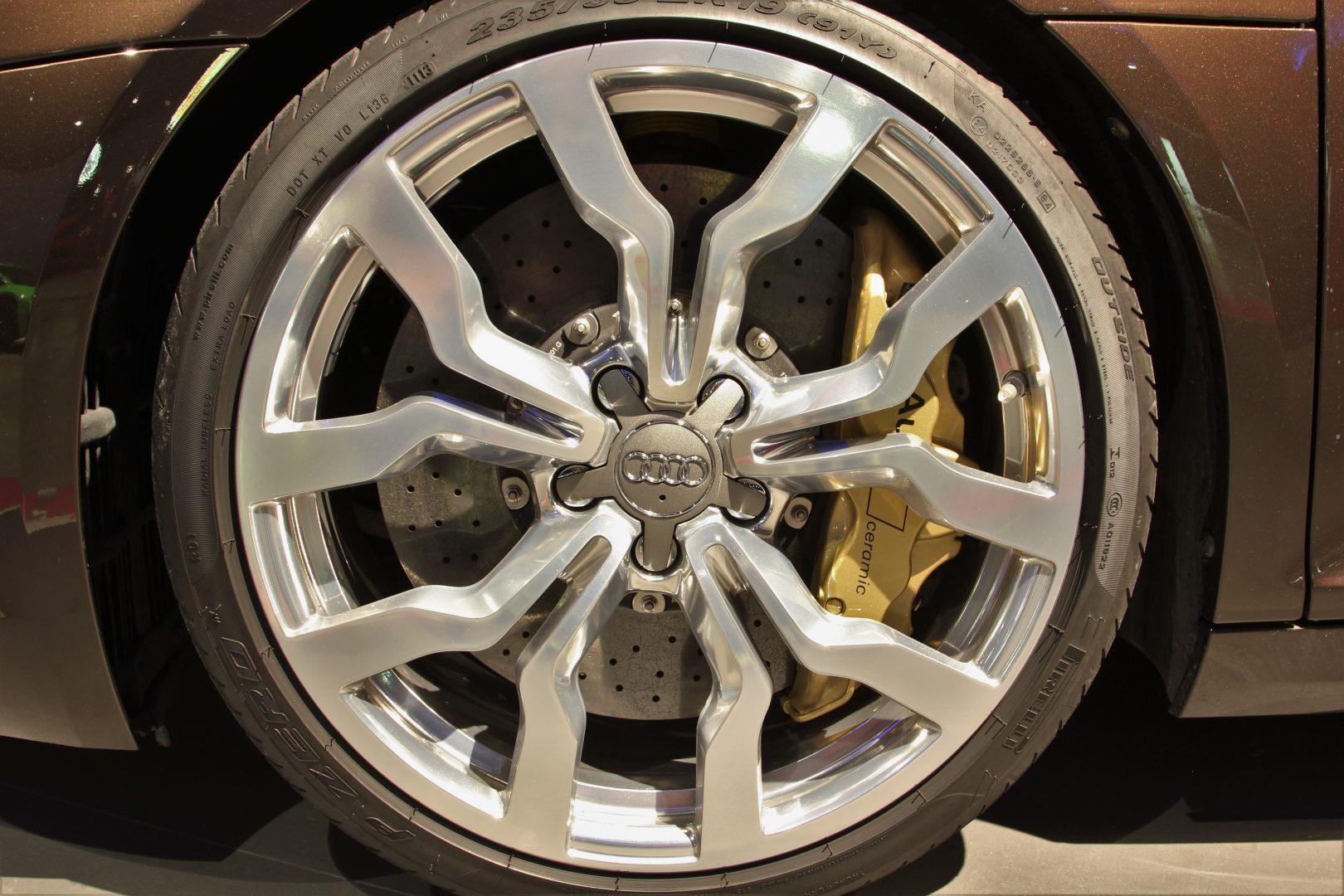 AIL Audi R8 Spyder V10 Exclusiv Paket Bi-color 7