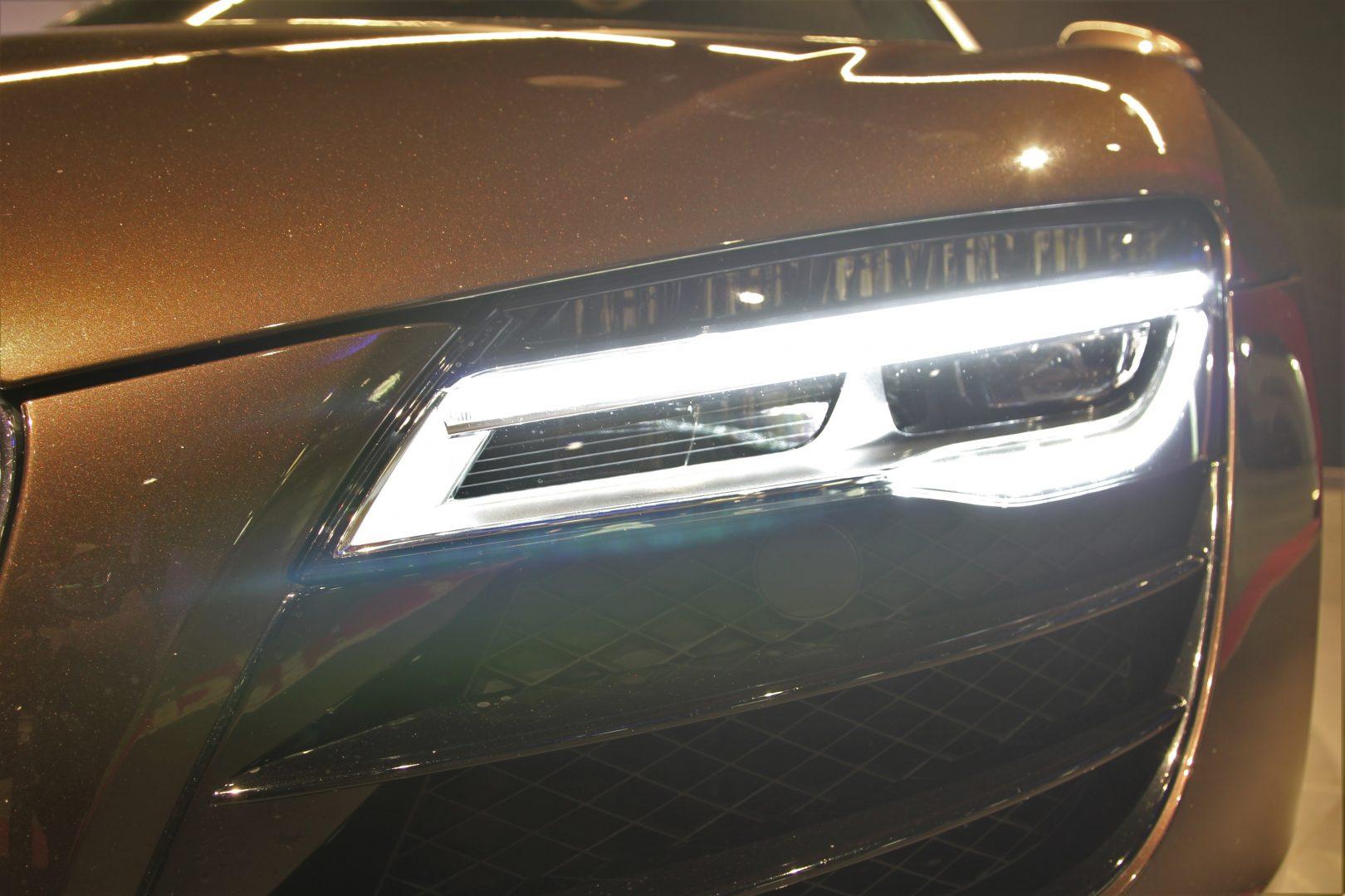 AIL Audi R8 Spyder V10 Exclusiv Paket Bi-color 8