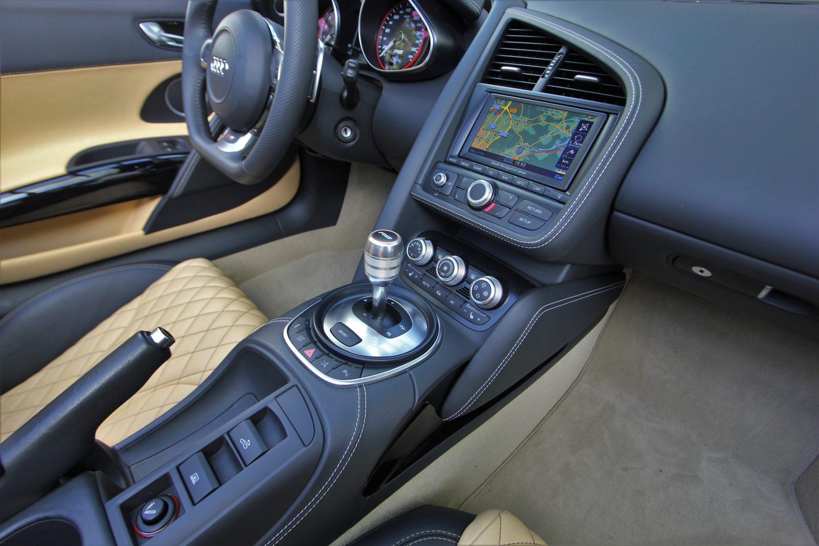 AIL Audi R8 Spyder V10 Exclusiv Paket Bi-color 4