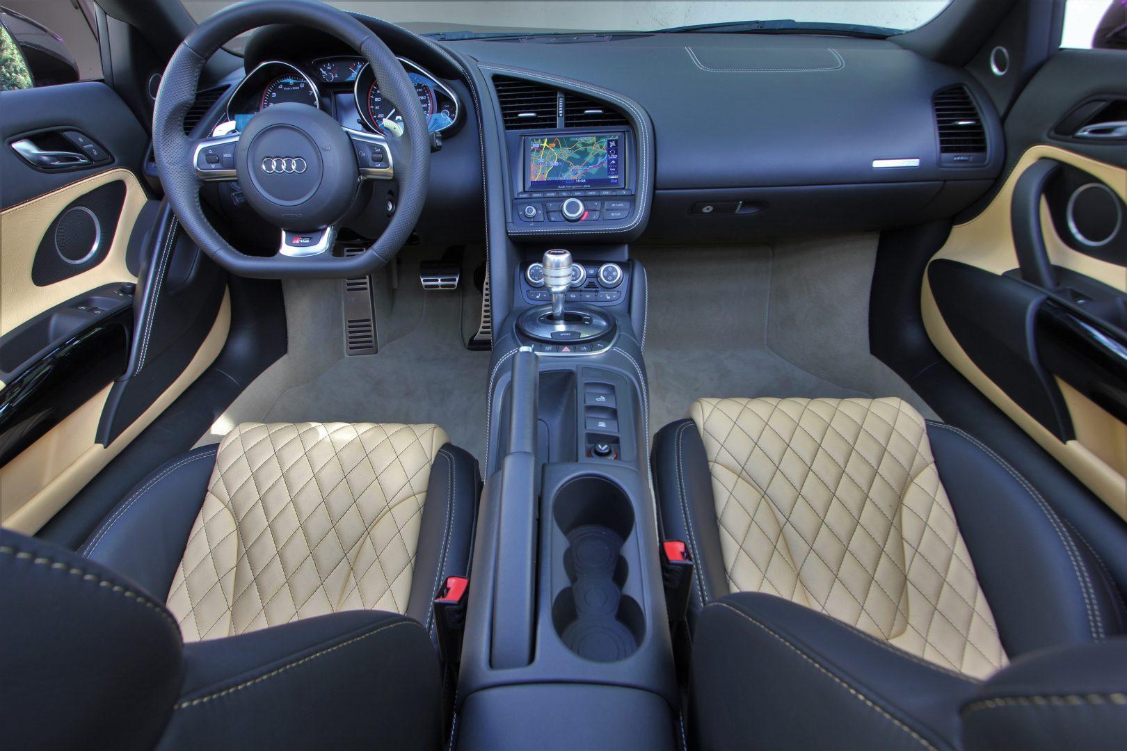 AIL Audi R8 Spyder V10 Exclusiv Paket Bi-color 10