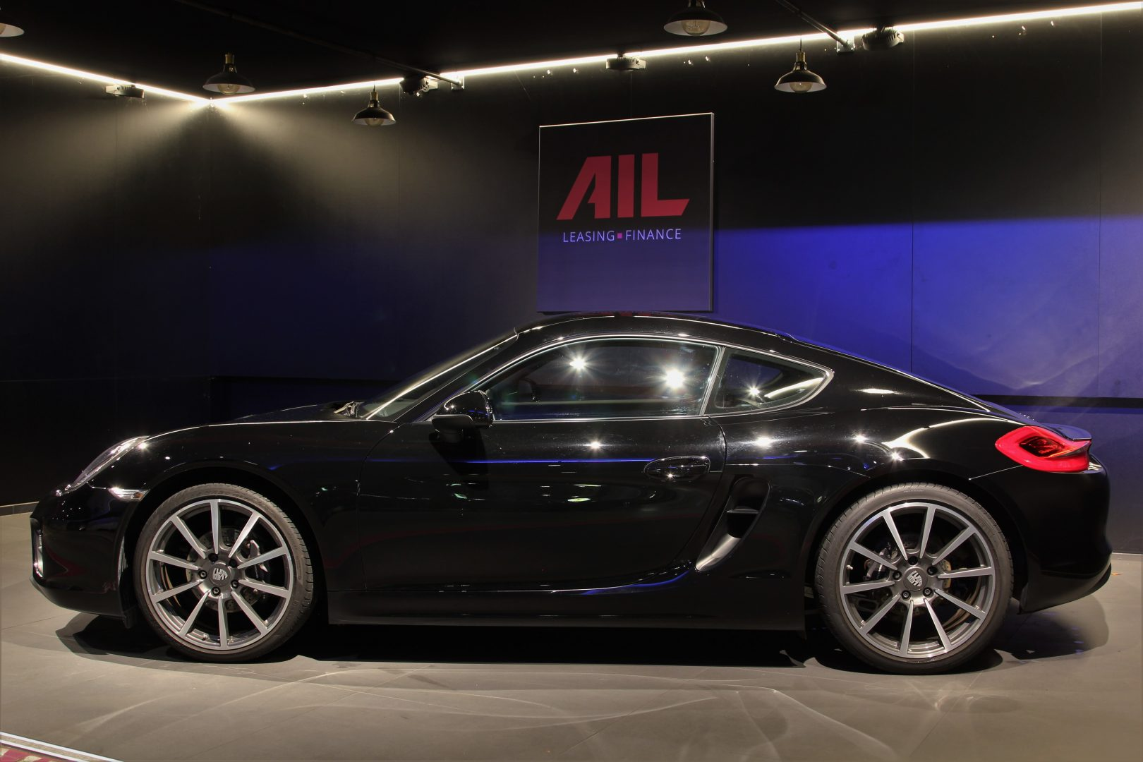 AIL Porsche Cayman Black Edition Approved Sound-Package-Plus 7